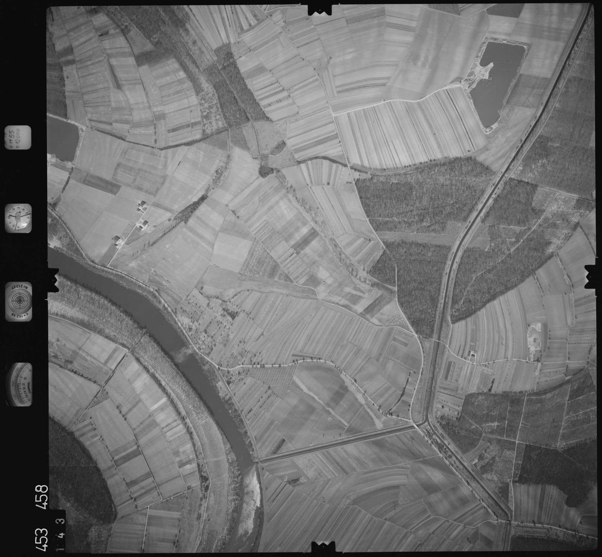 Luftbild: Film 16 Bildnr. 143, Bild 1