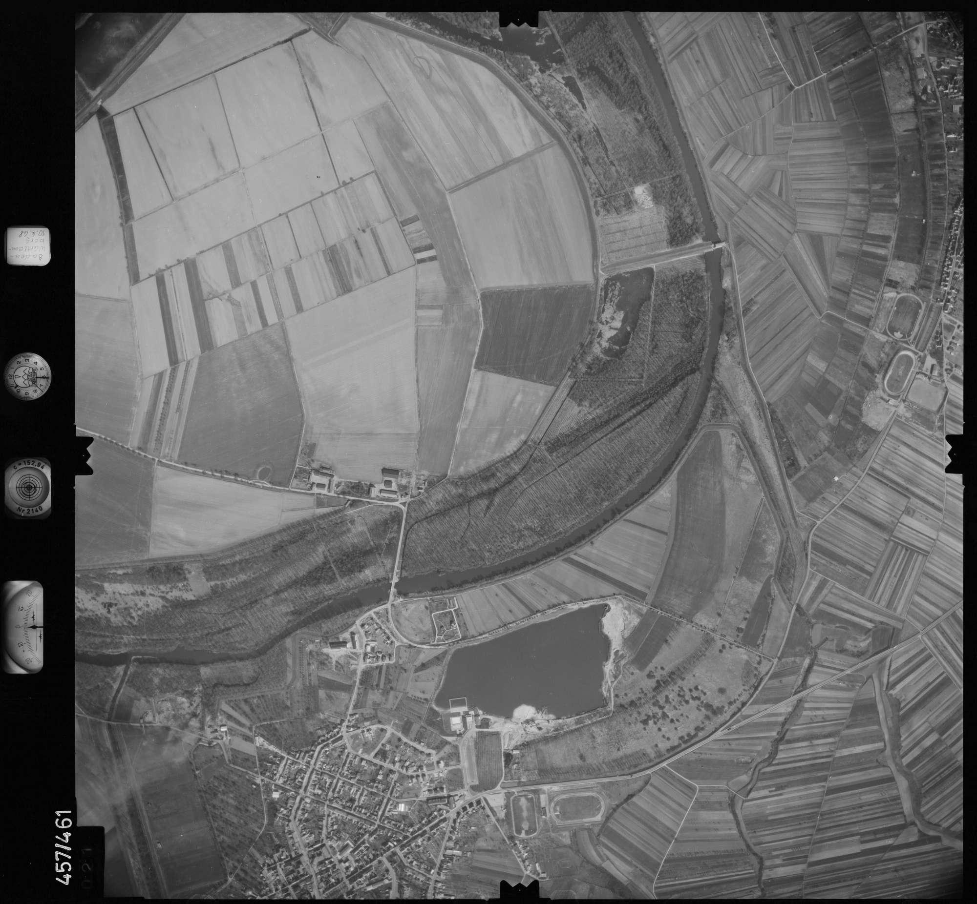 Luftbild: Film 104 Bildnr. 21, Bild 1