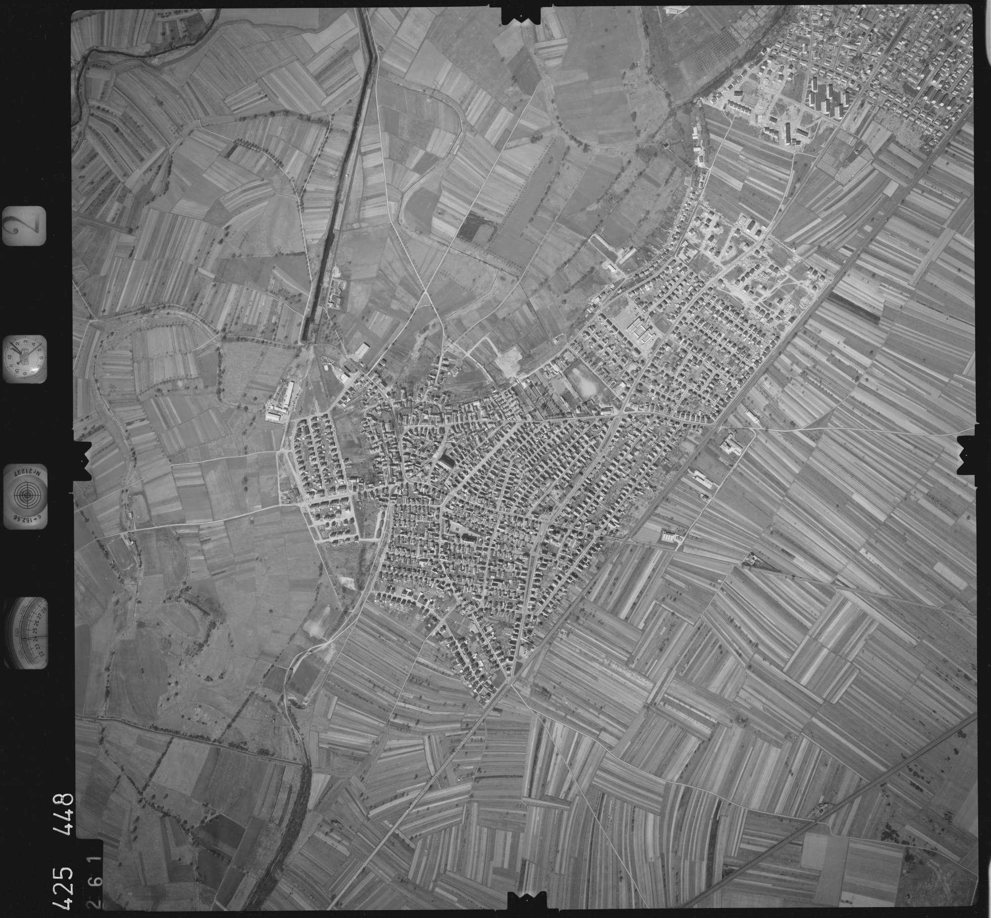Luftbild: Film 2 Bildnr. 261, Bild 1