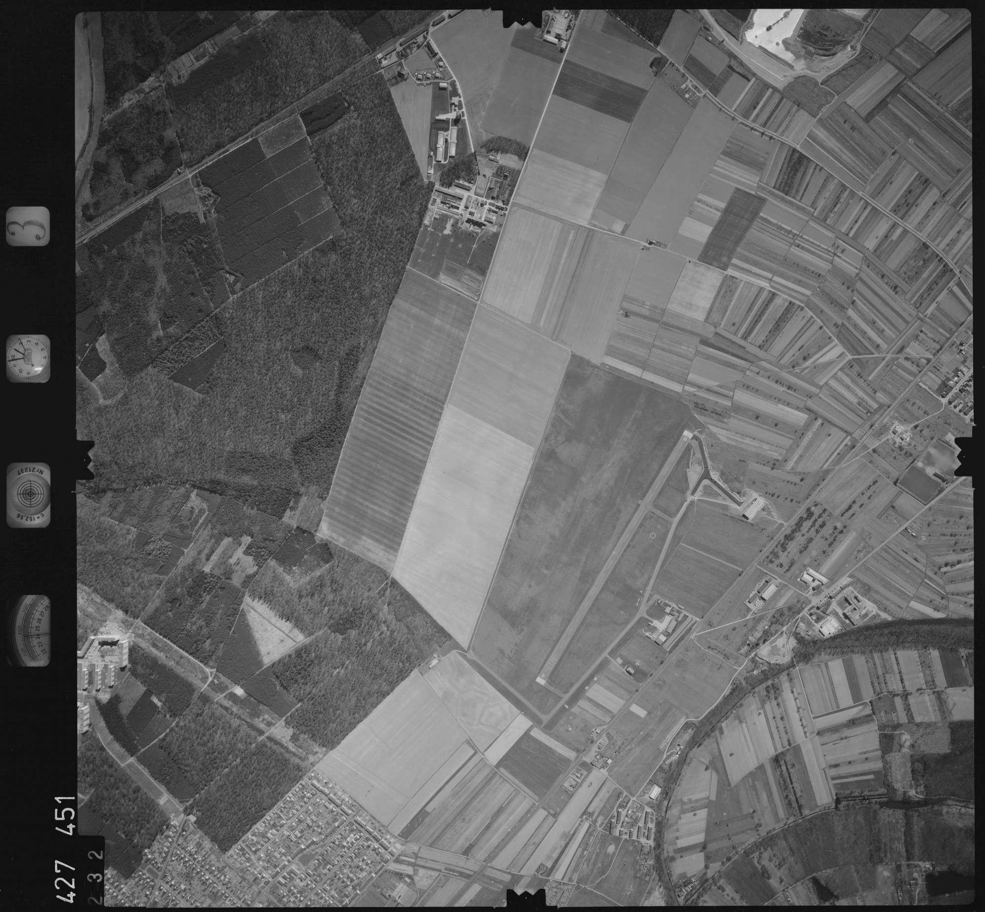 Luftbild: Film 3 Bildnr. 232, Bild 1