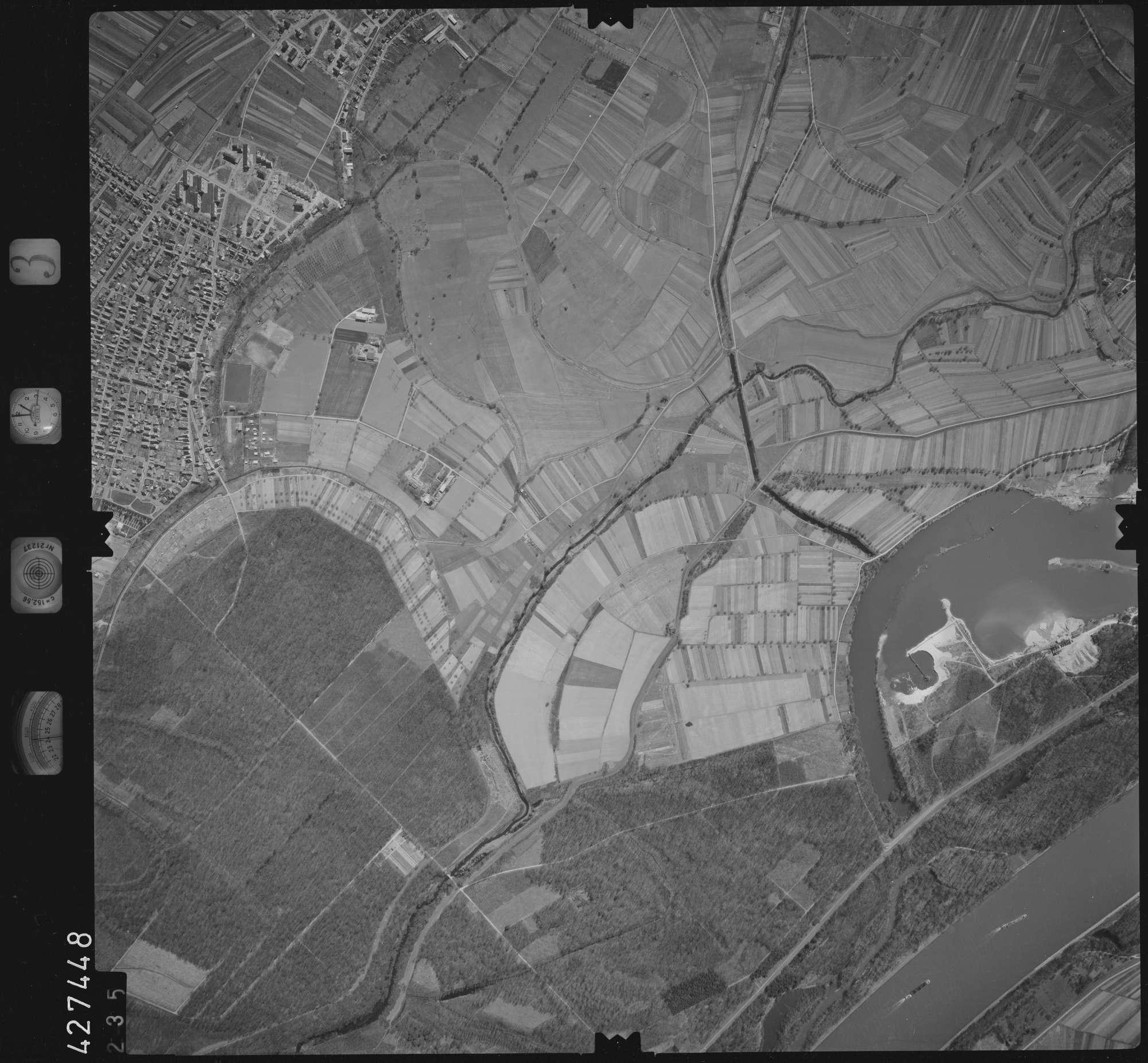 Luftbild: Film 3 Bildnr. 235, Bild 1