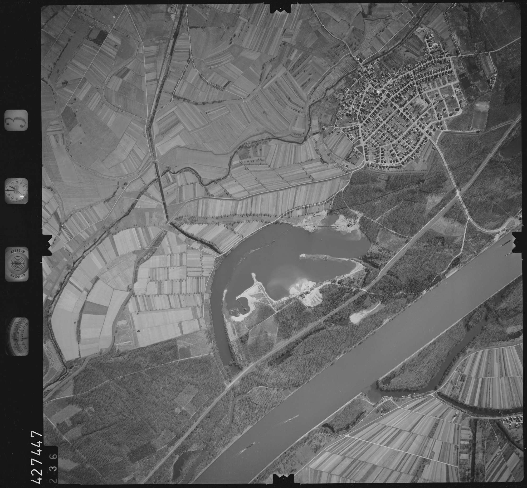 Luftbild: Film 3 Bildnr. 236, Bild 1