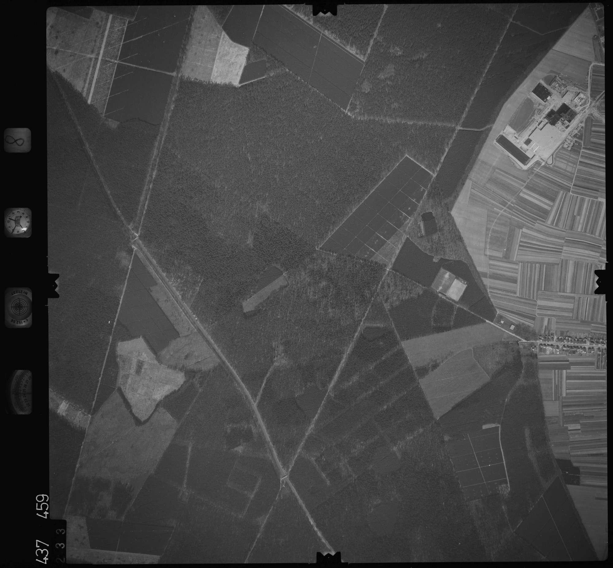Luftbild: Film 8 Bildnr. 233, Bild 1