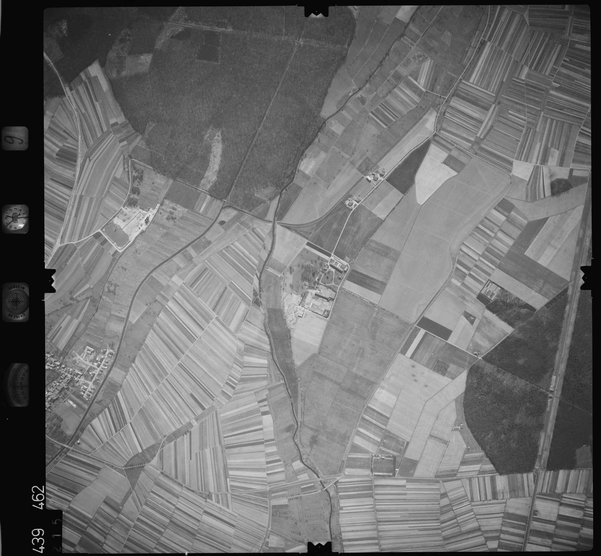 Luftbild: Film 9 Bildnr. 215, Bild 1