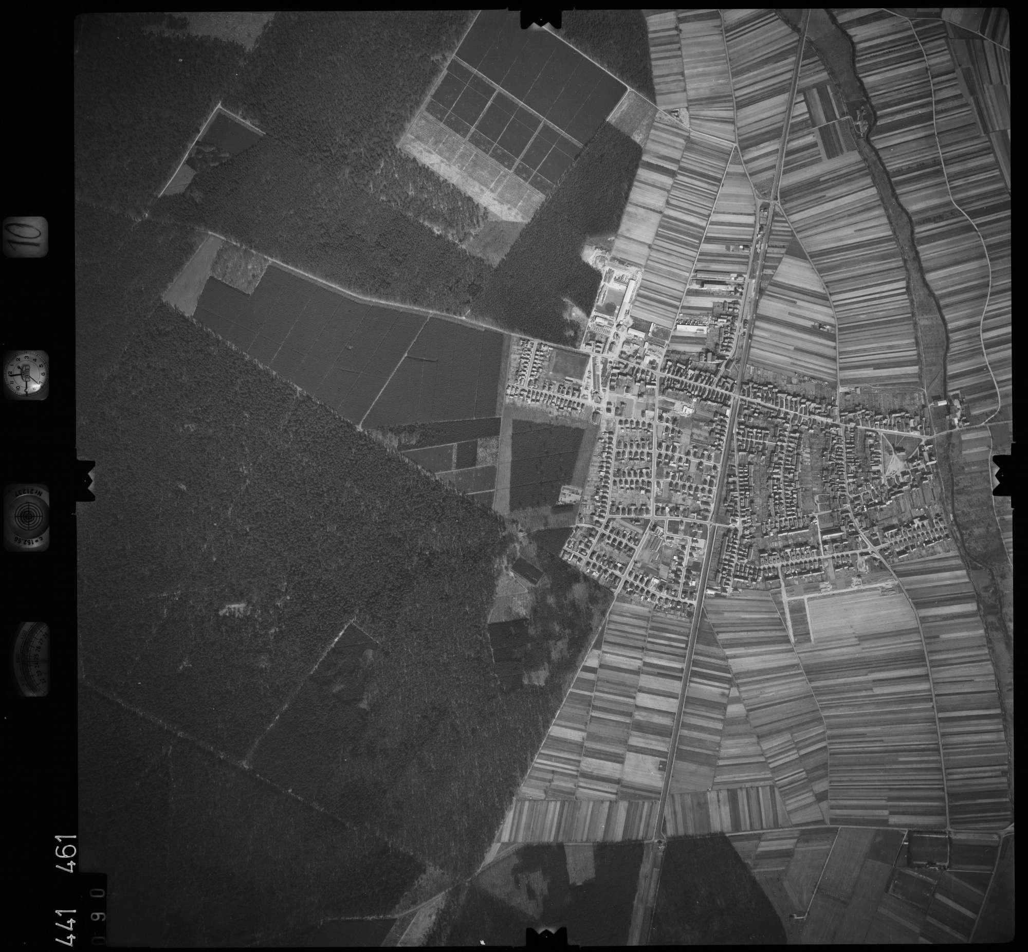 Luftbild: Film 10 Bildnr. 90, Bild 1