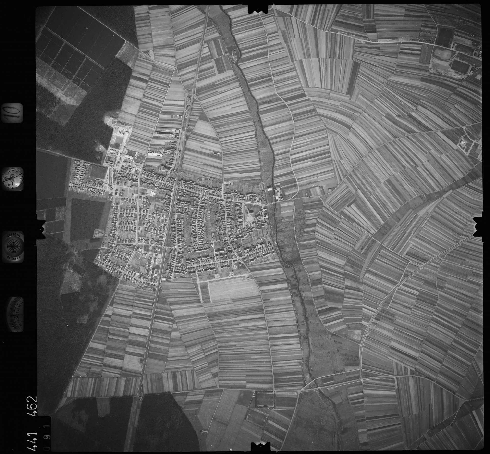 Luftbild: Film 10 Bildnr. 91, Bild 1