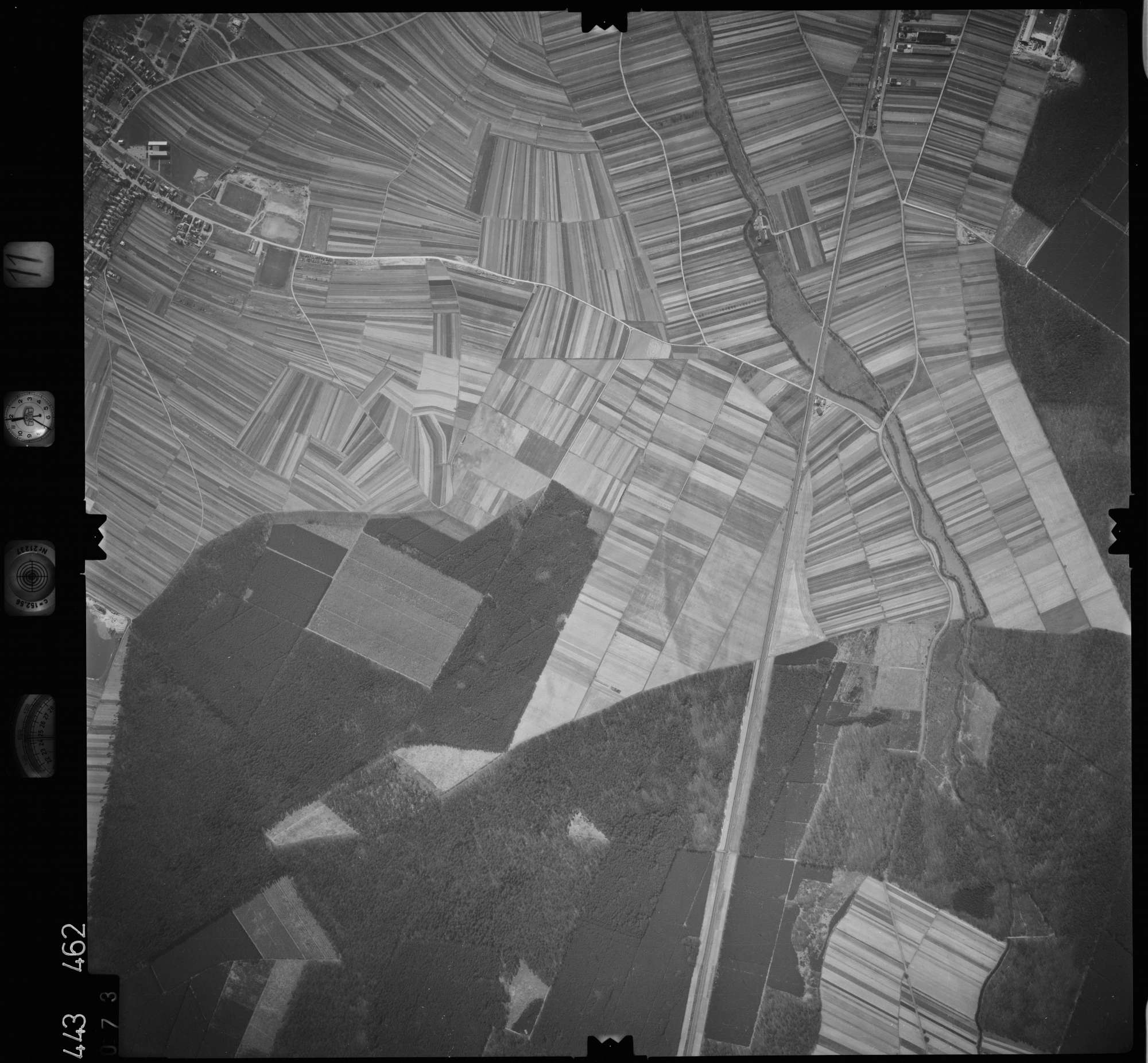 Luftbild: Film 11 Bildnr. 73, Bild 1