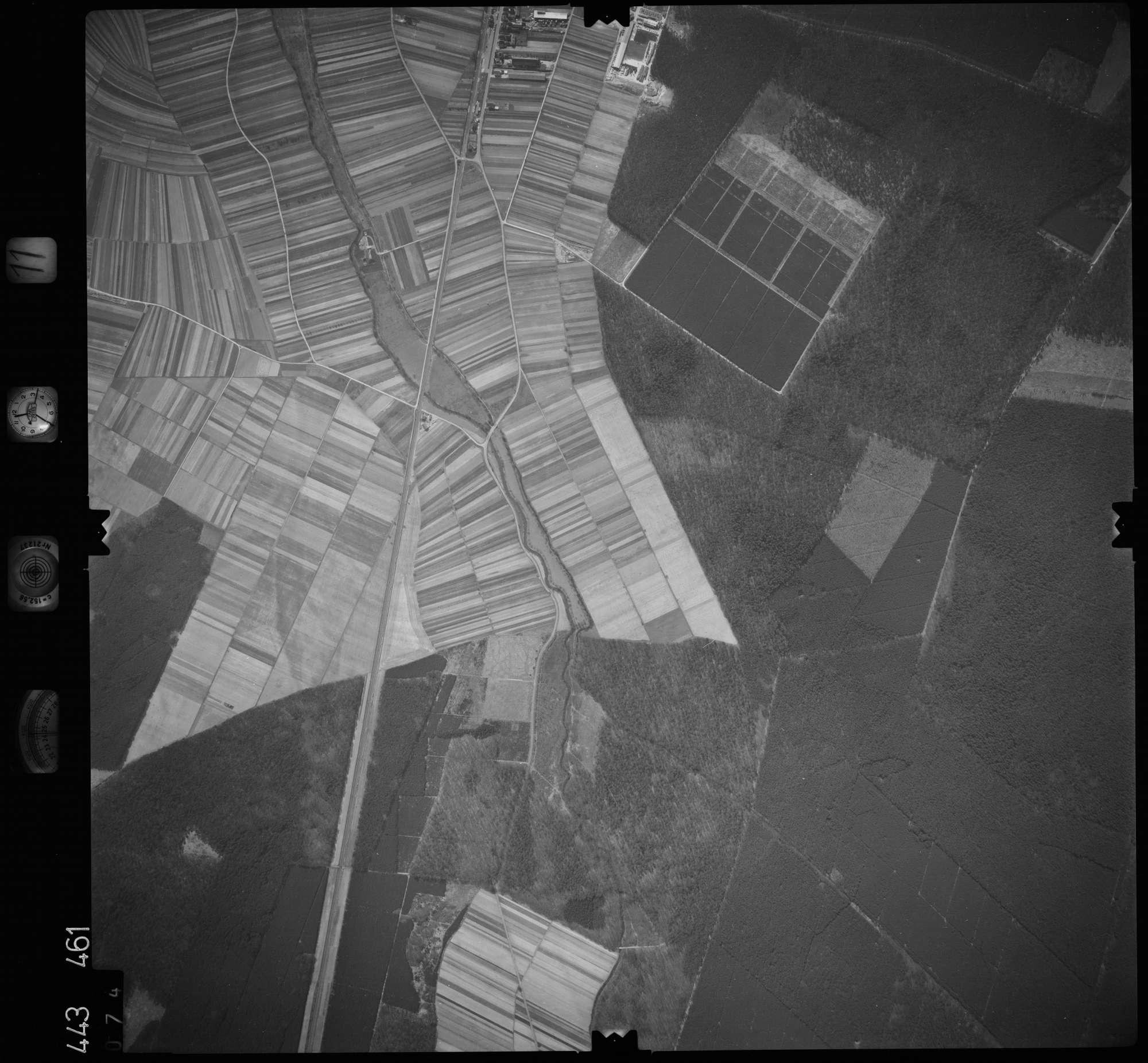 Luftbild: Film 11 Bildnr. 74, Bild 1