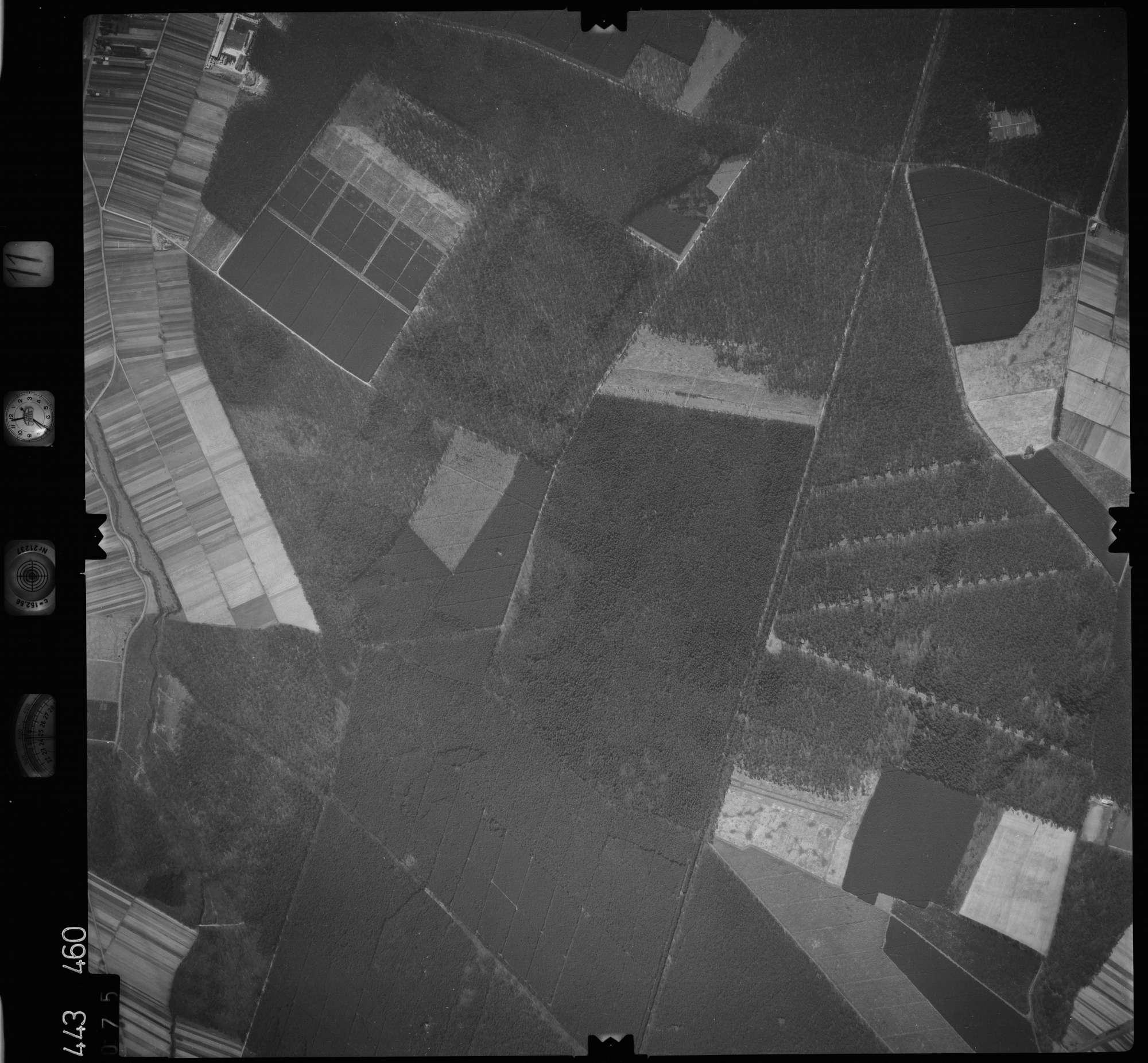 Luftbild: Film 11 Bildnr. 75, Bild 1