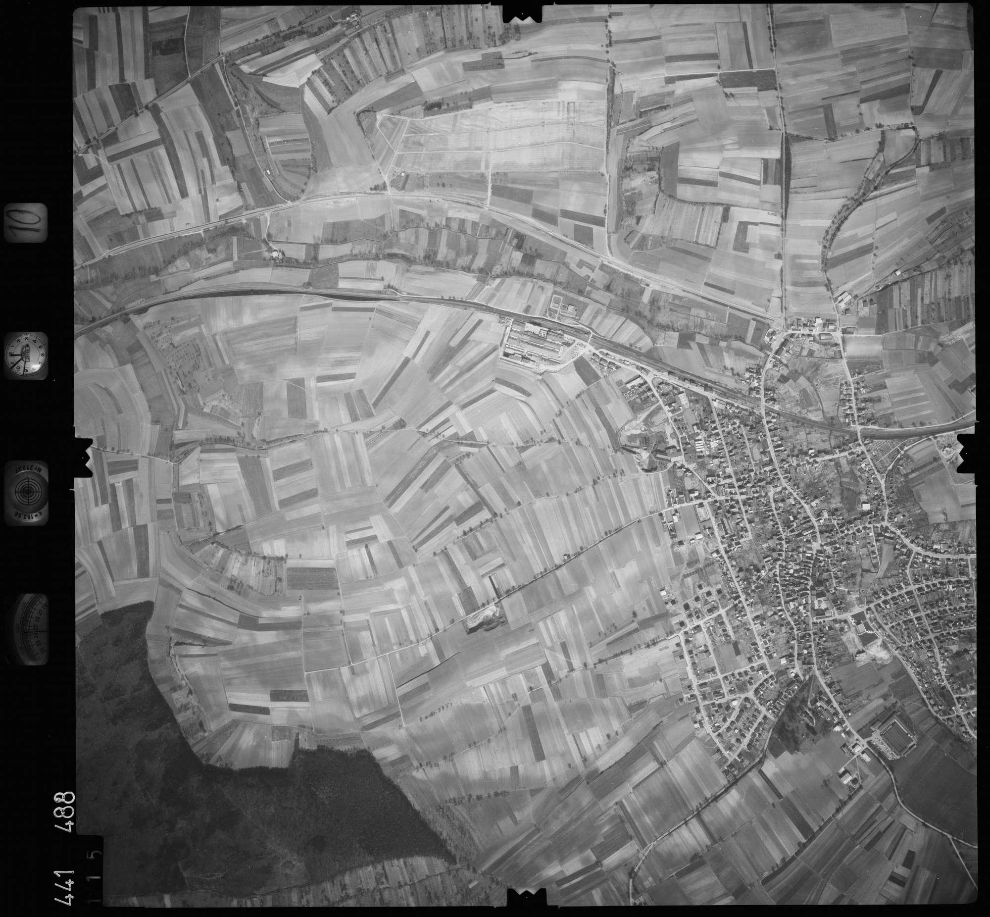 Luftbild: Film 10 Bildnr. 115, Bild 1
