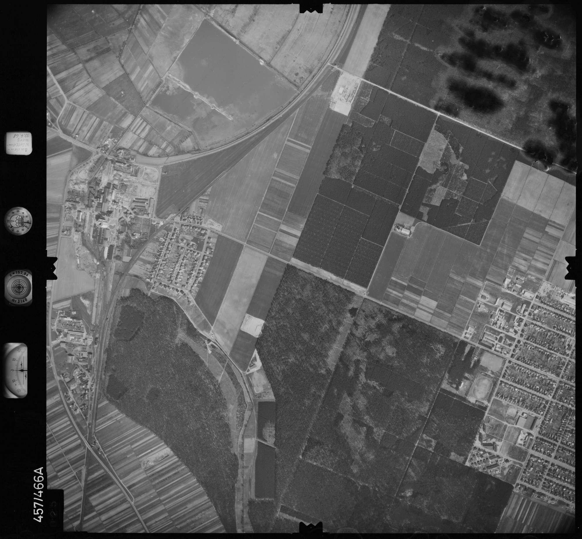 Luftbild: Film 104 Bildnr. 25, Bild 1