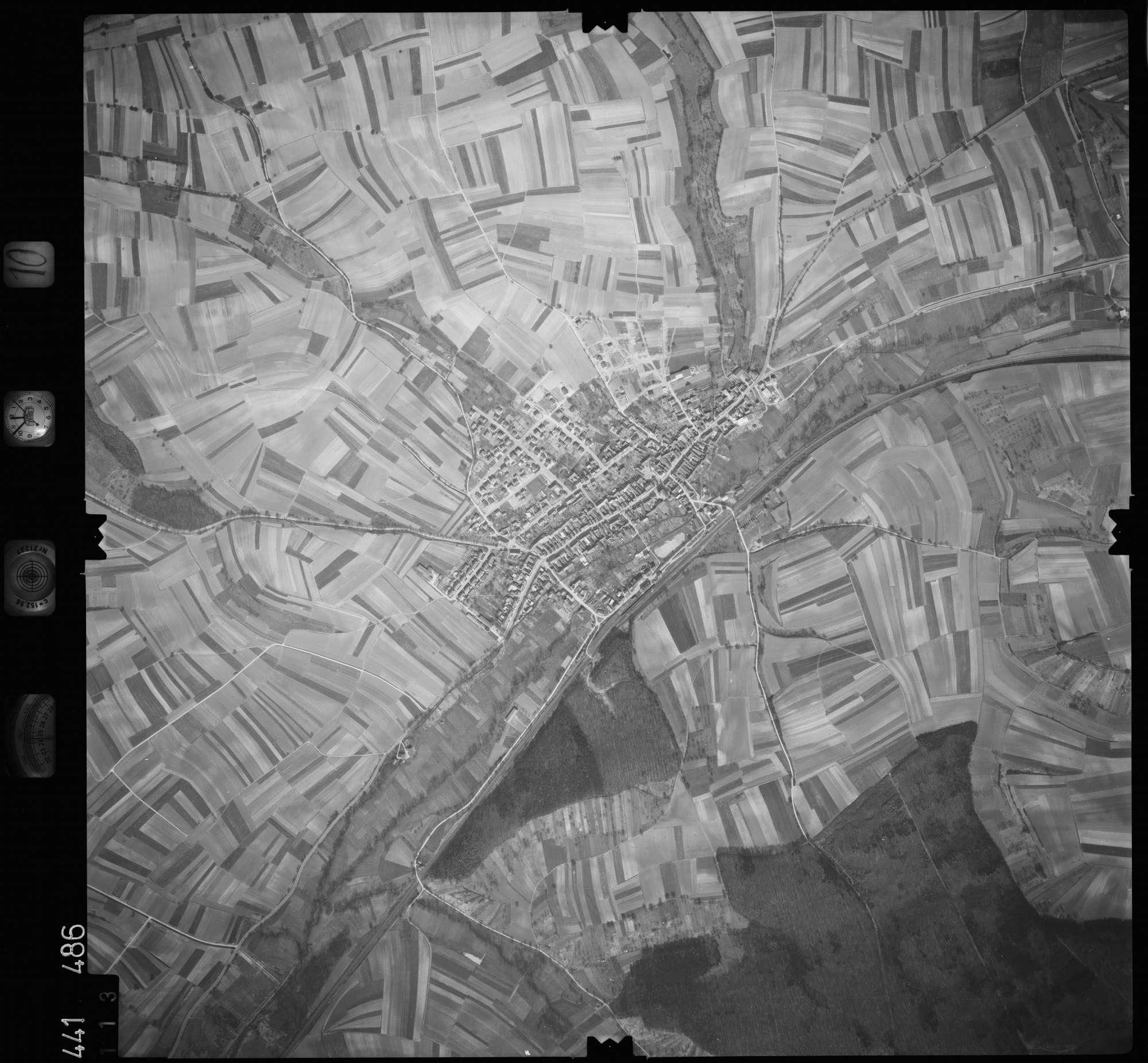 Luftbild: Film 10 Bildnr. 113, Bild 1