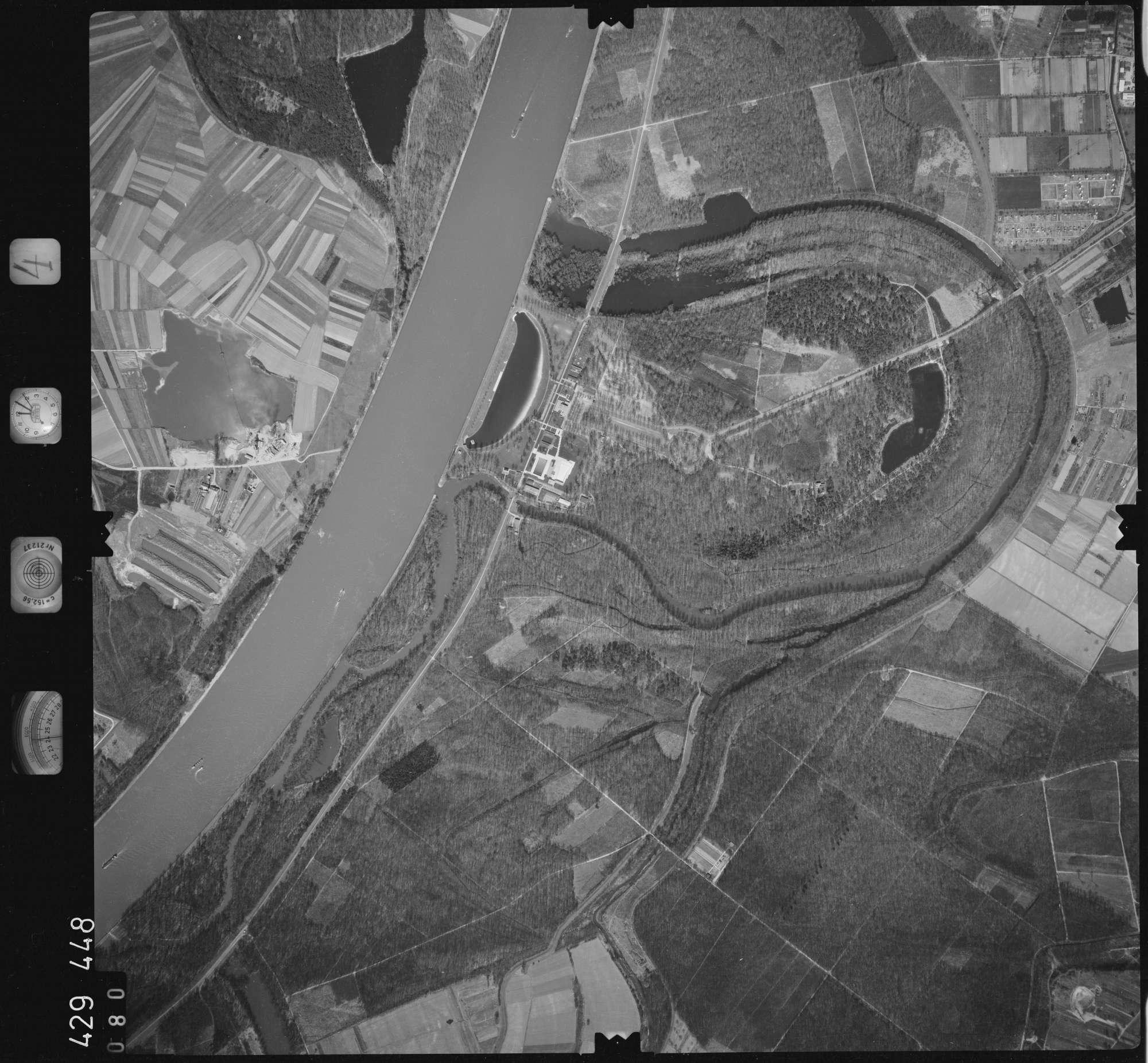 Luftbild: Film 4 Bildnr. 80, Bild 1