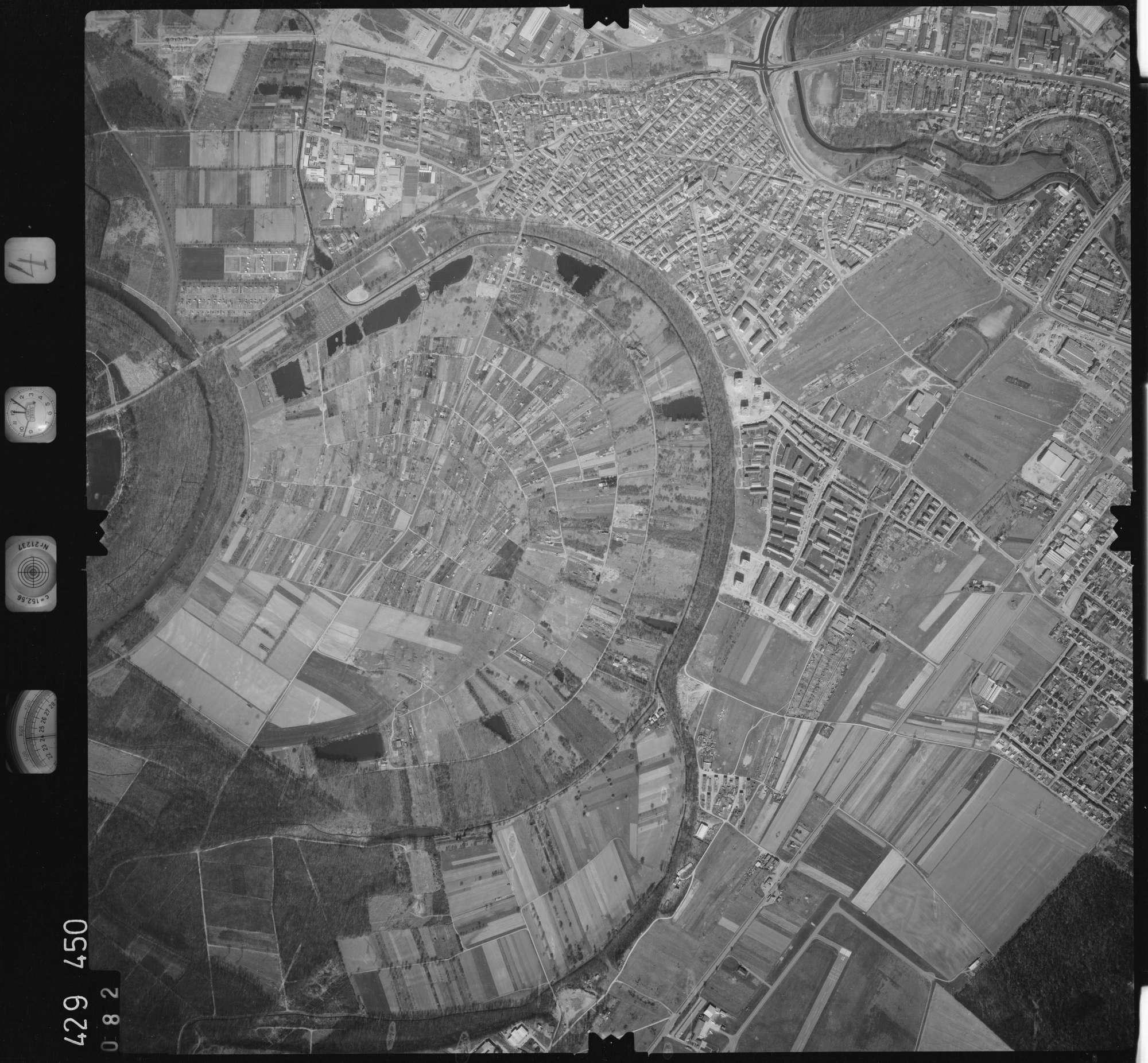 Luftbild: Film 4 Bildnr. 82, Bild 1