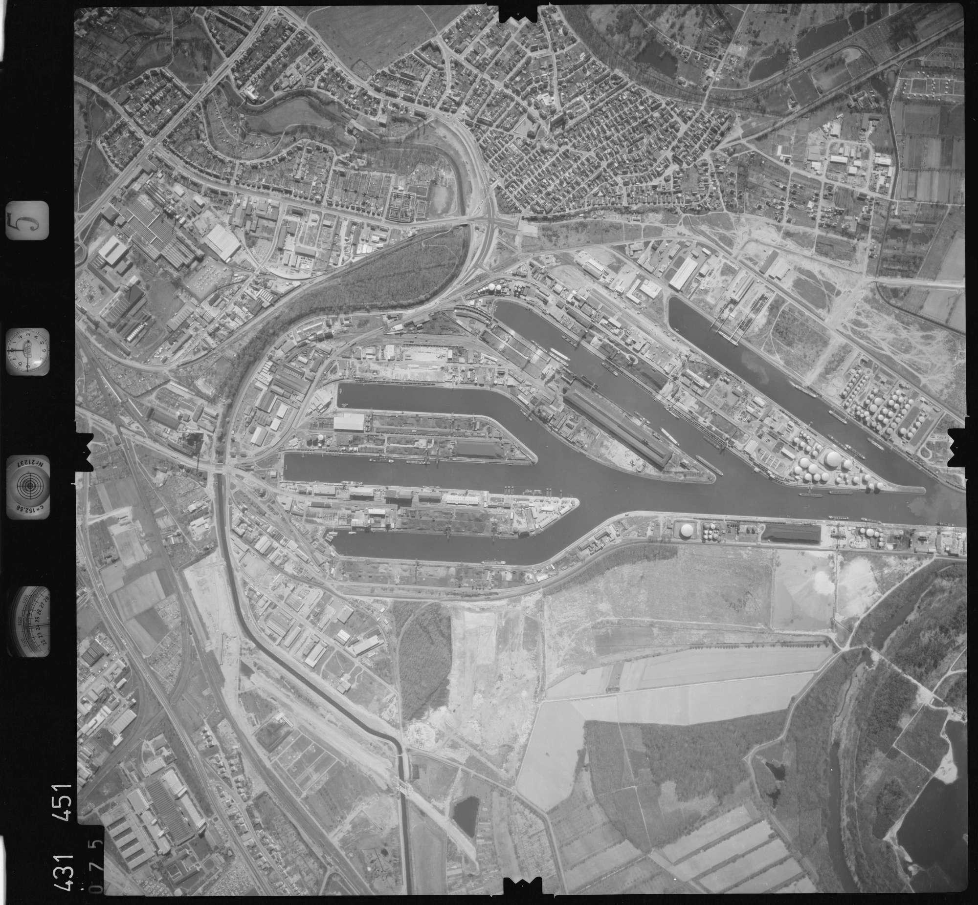 Luftbild: Film 5 Bildnr. 75, Bild 1