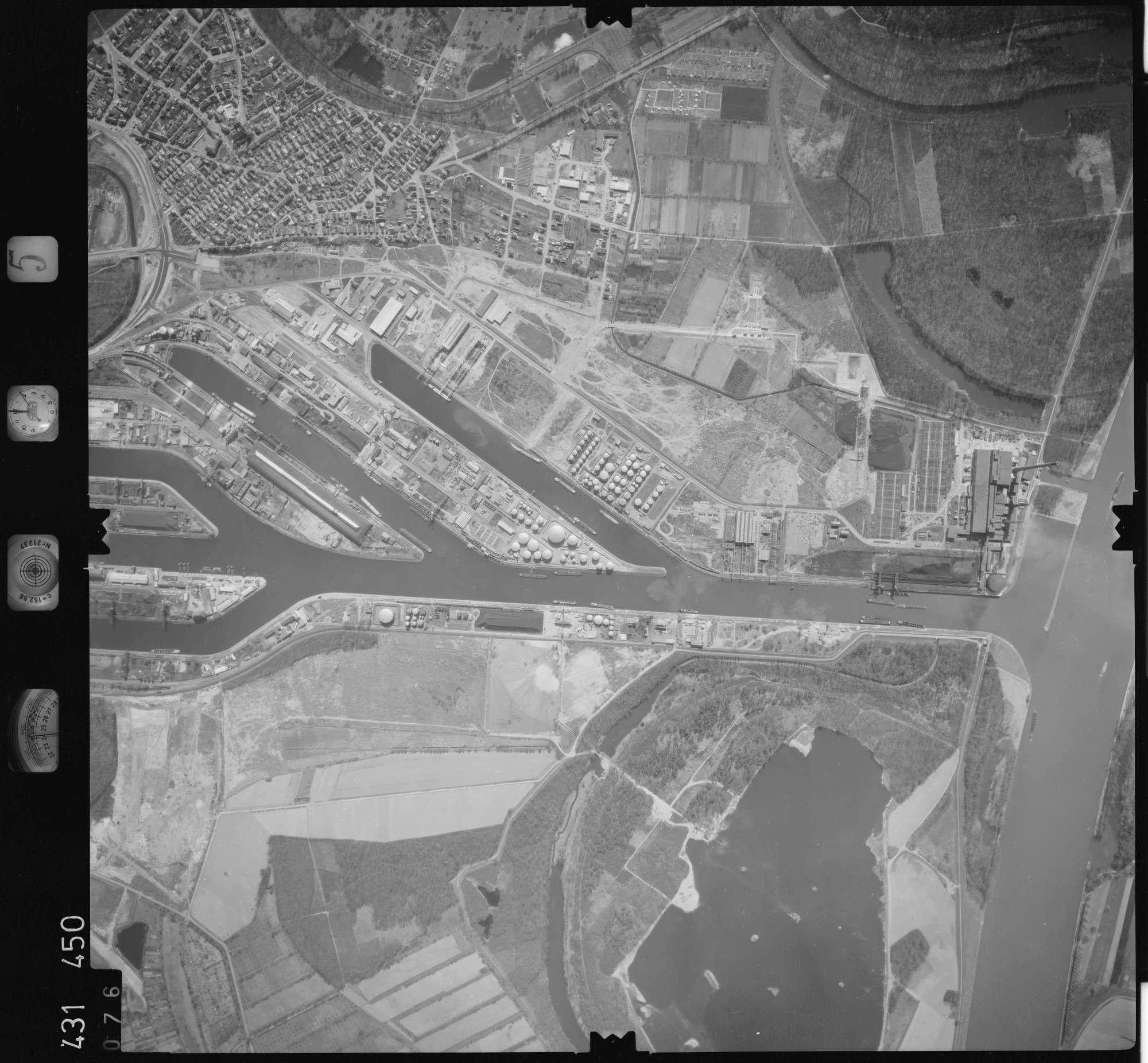 Luftbild: Film 5 Bildnr. 76, Bild 1