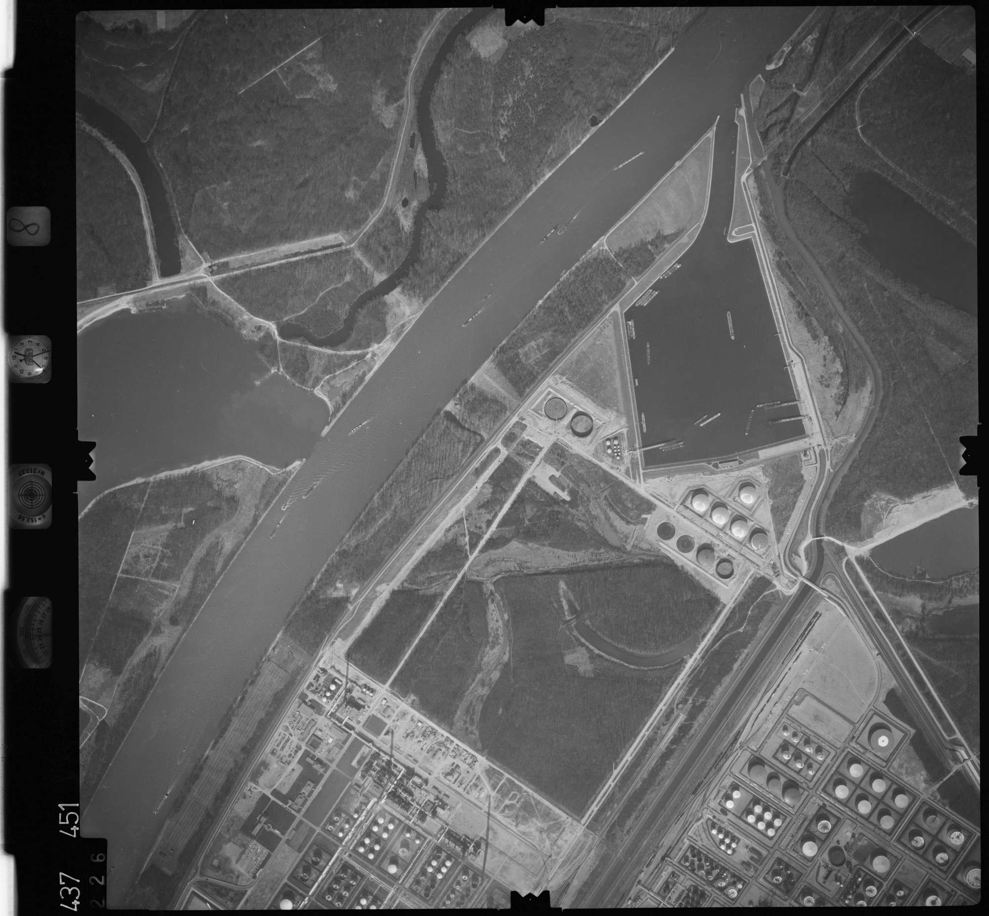Luftbild: Film 8 Bildnr. 226, Bild 1