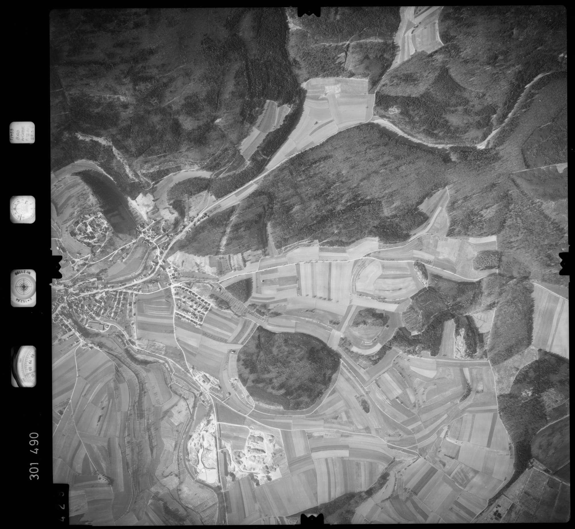 Luftbild: Film 64 Bildnr. 429, Bild 1