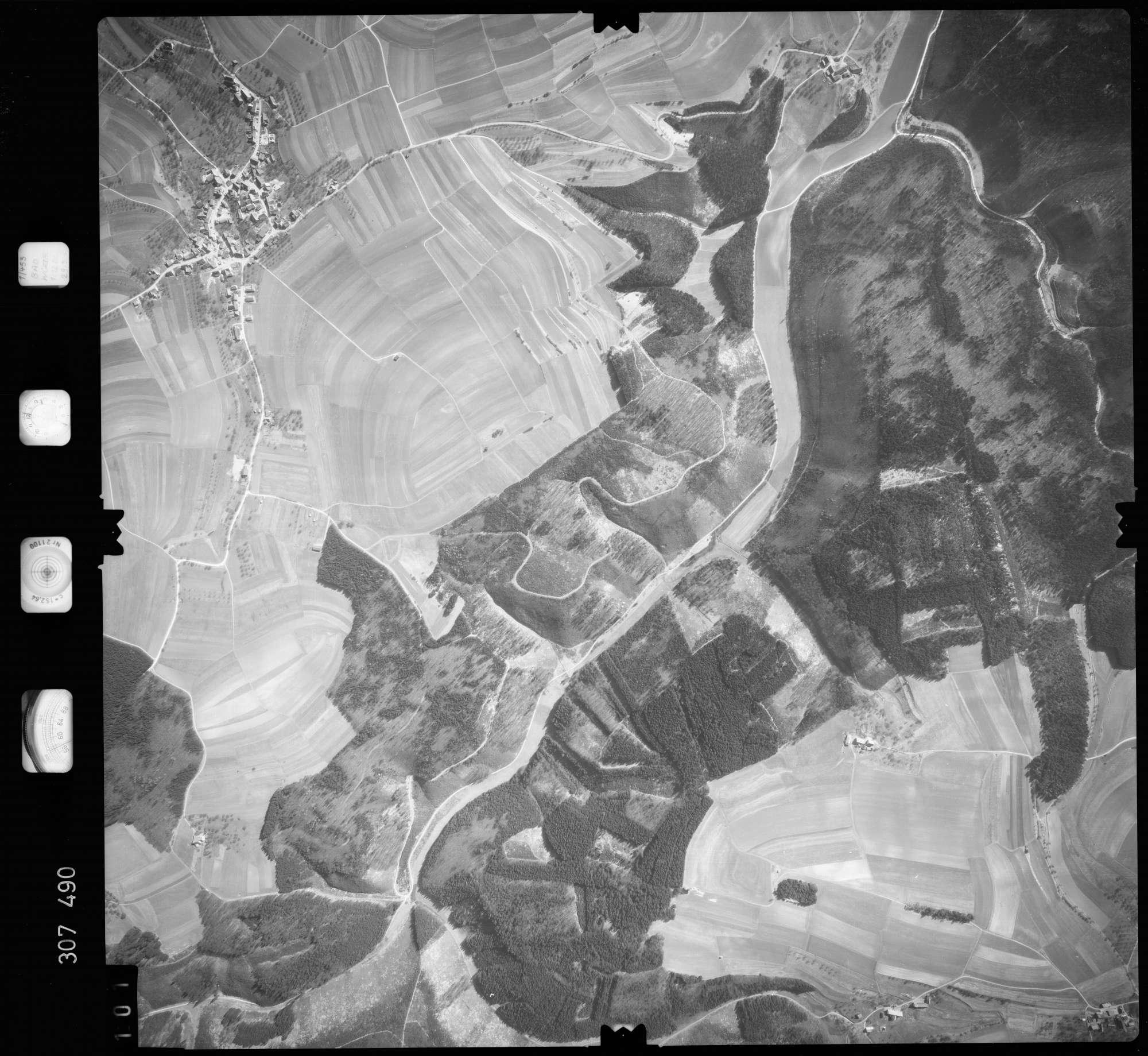 Luftbild: Film 61 Bildnr. 101, Bild 1