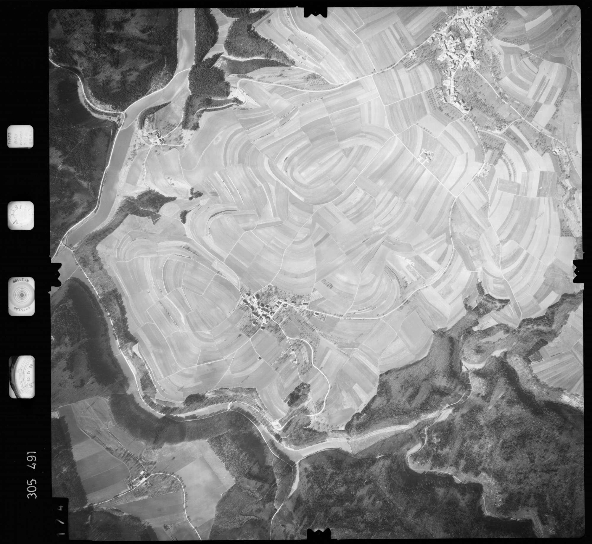 Luftbild: Film 61 Bildnr. 174, Bild 1