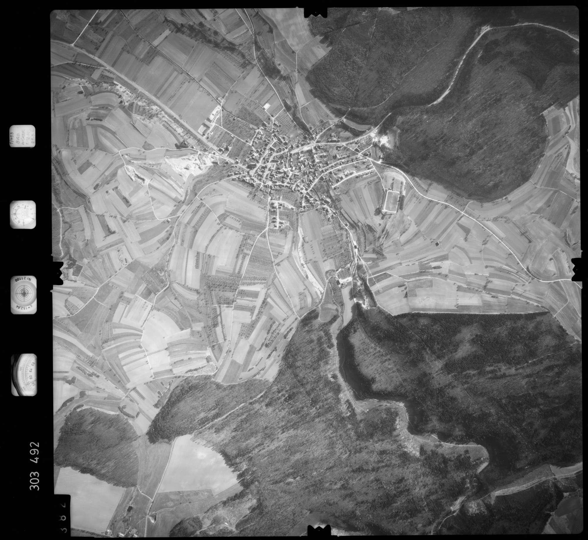 Luftbild: Film 64 Bildnr. 382, Bild 1