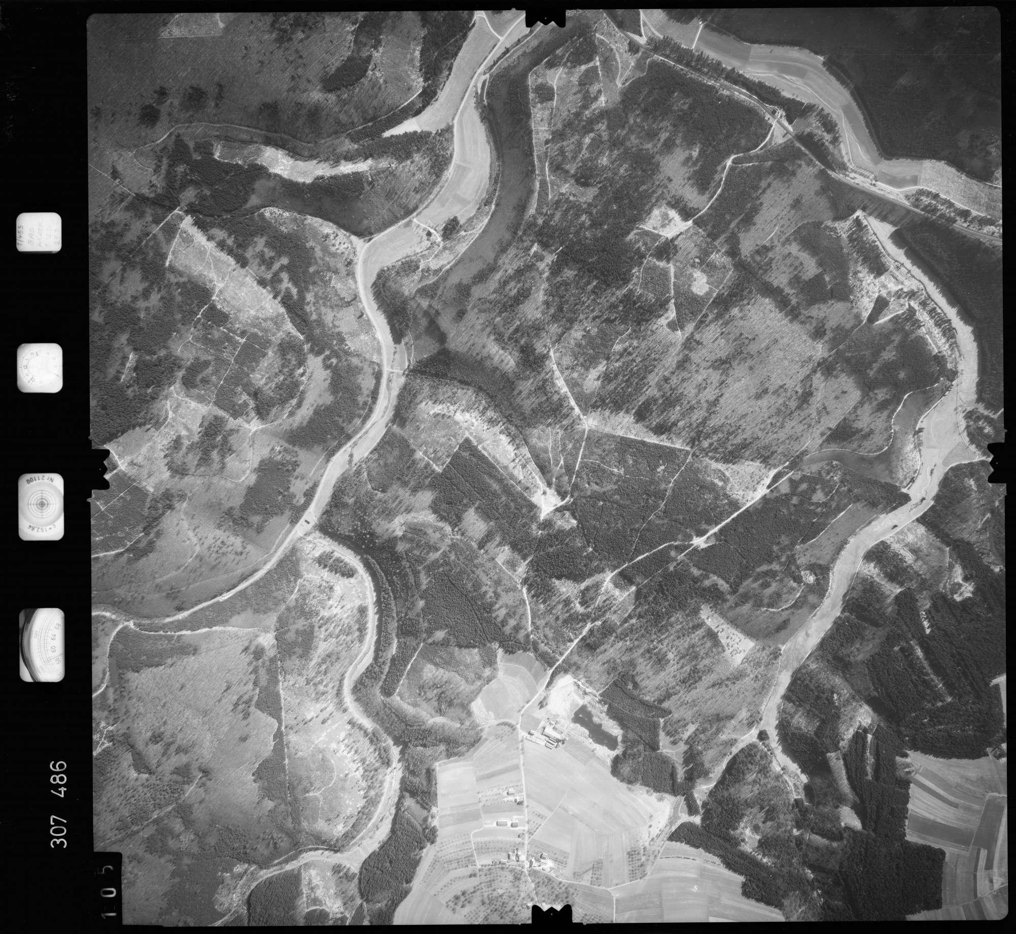 Luftbild: Film 61 Bildnr. 105, Bild 1