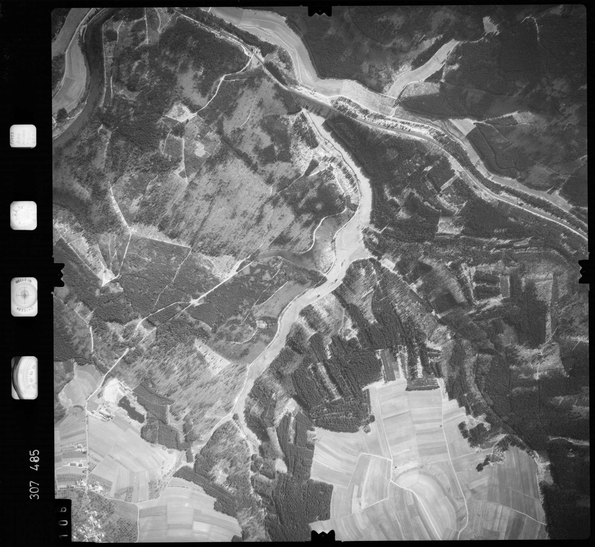 Luftbild: Film 61 Bildnr. 106, Bild 1