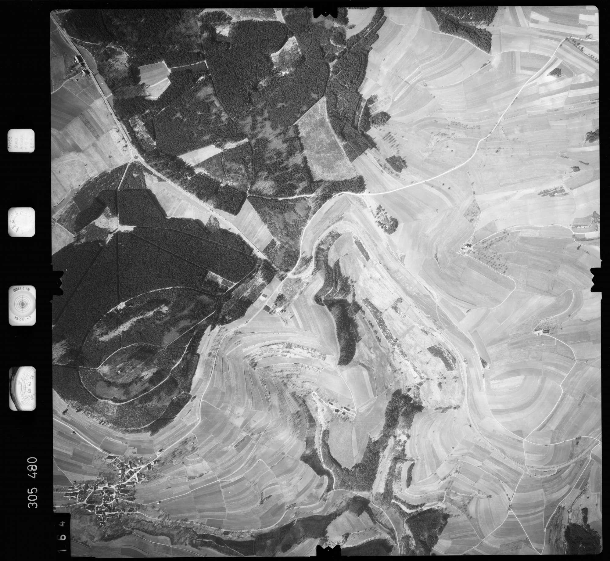 Luftbild: Film 61 Bildnr. 164, Bild 1