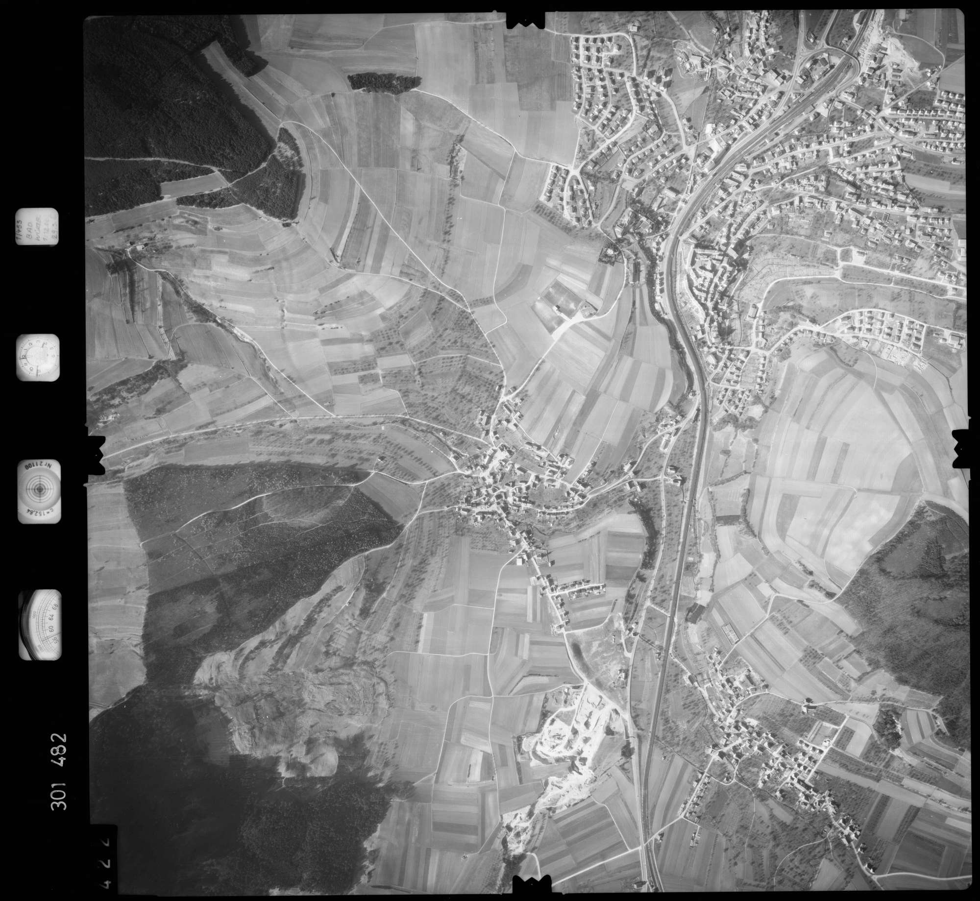 Luftbild: Film 64 Bildnr. 422, Bild 1