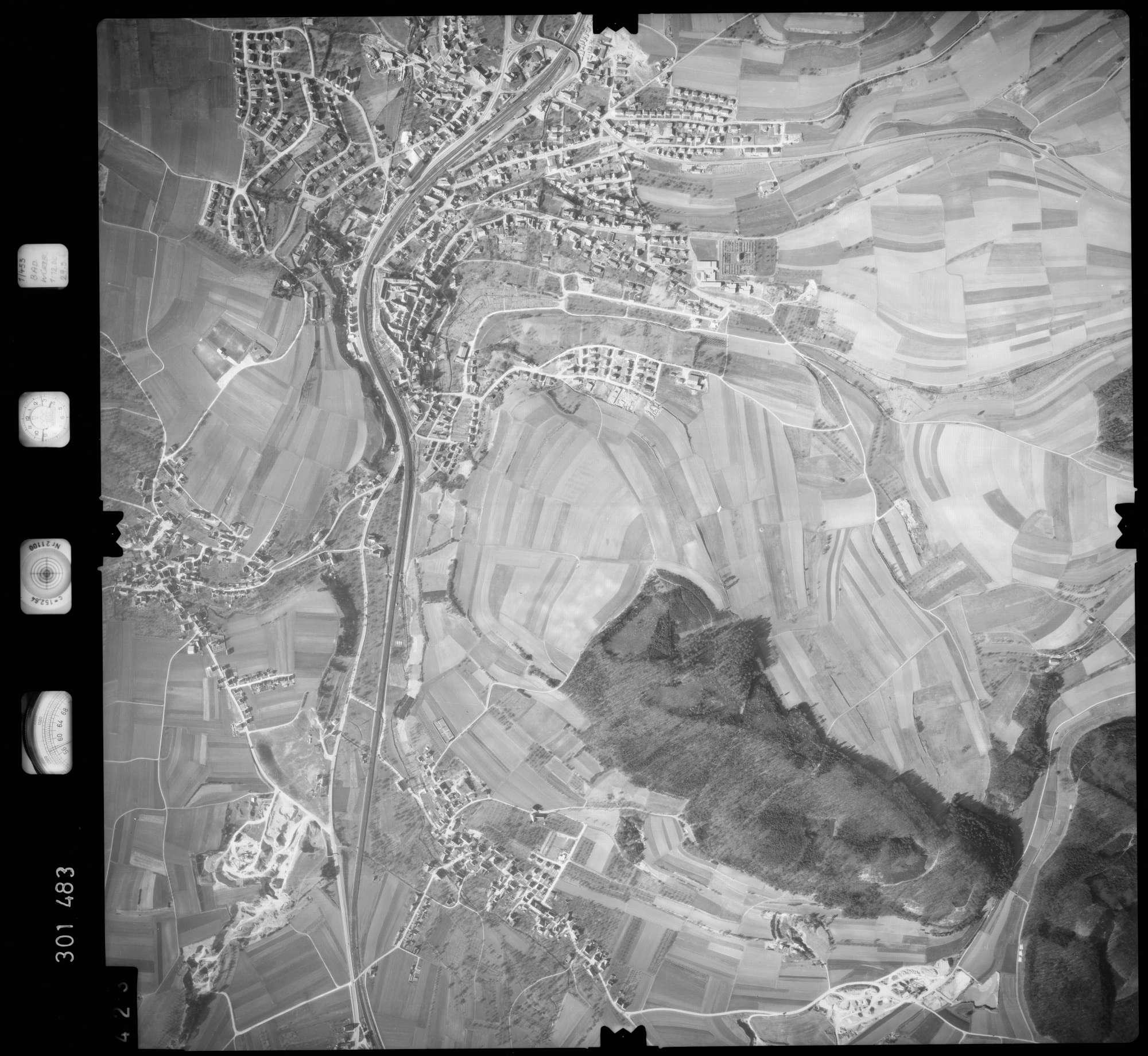 Luftbild: Film 64 Bildnr. 423, Bild 1
