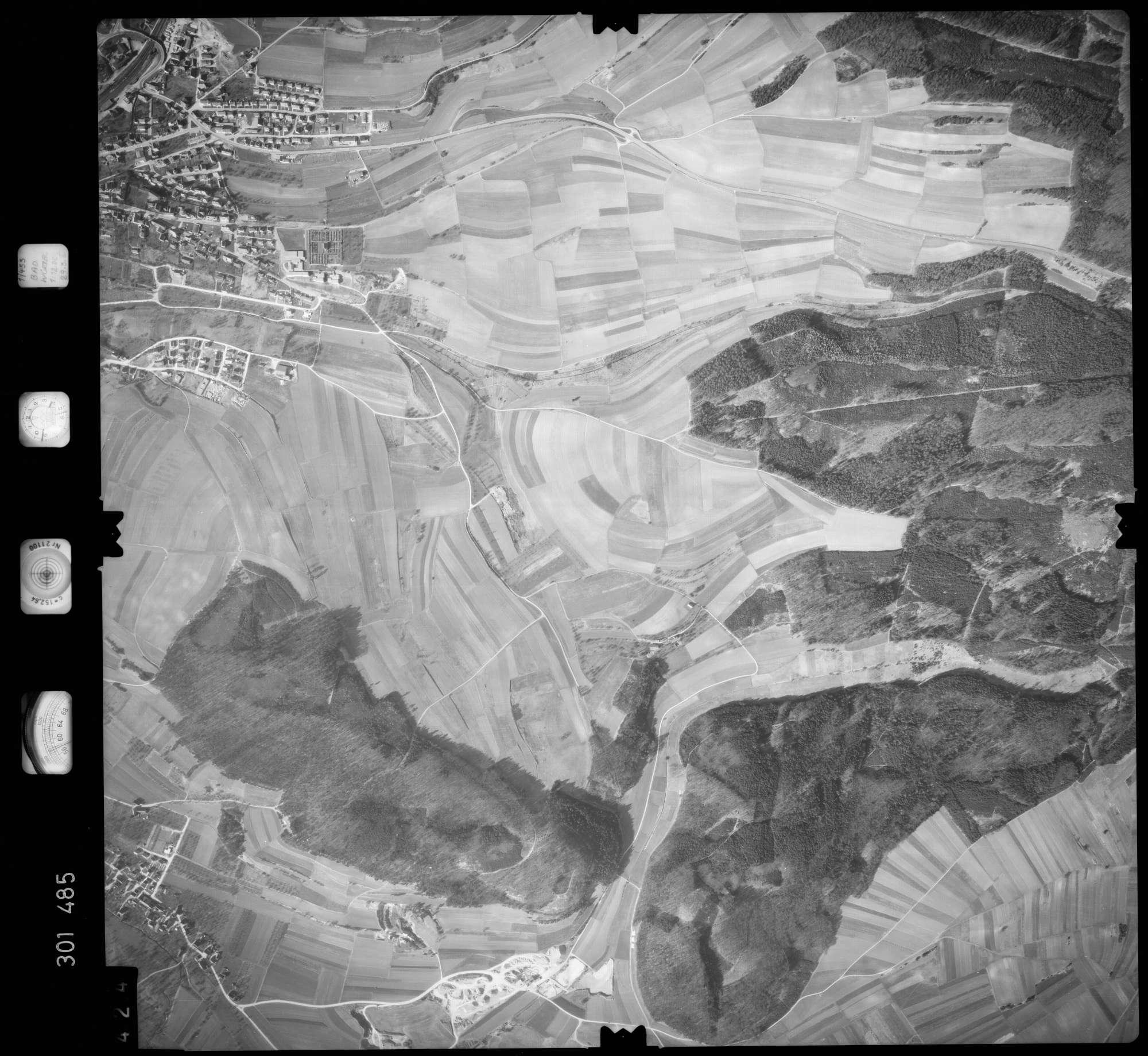 Luftbild: Film 64 Bildnr. 424, Bild 1