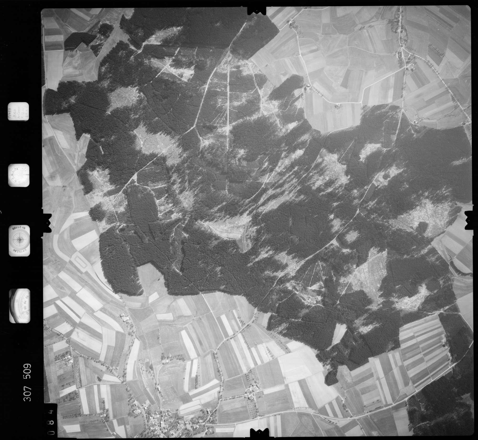 Luftbild: Film 61 Bildnr. 84, Bild 1