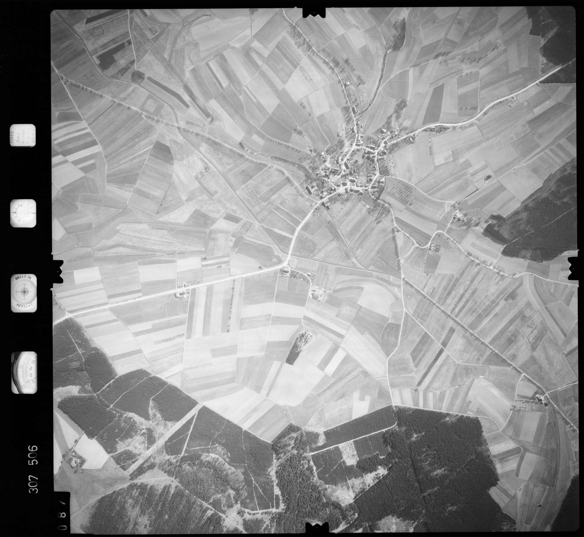 Luftbild: Film 61 Bildnr. 87, Bild 1