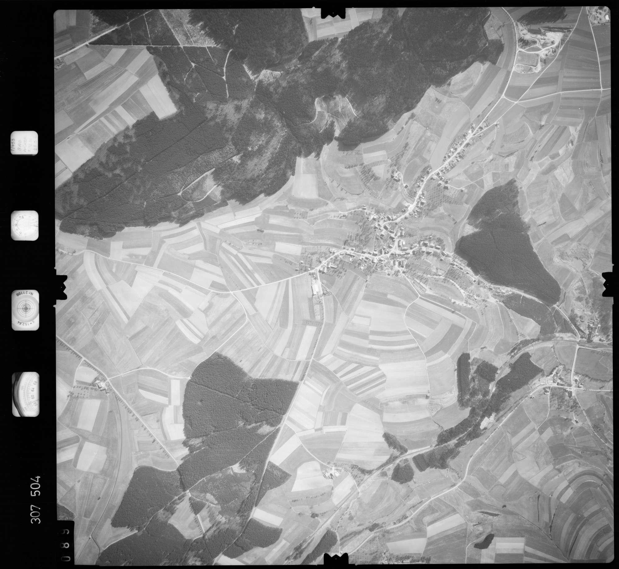 Luftbild: Film 61 Bildnr. 89, Bild 1