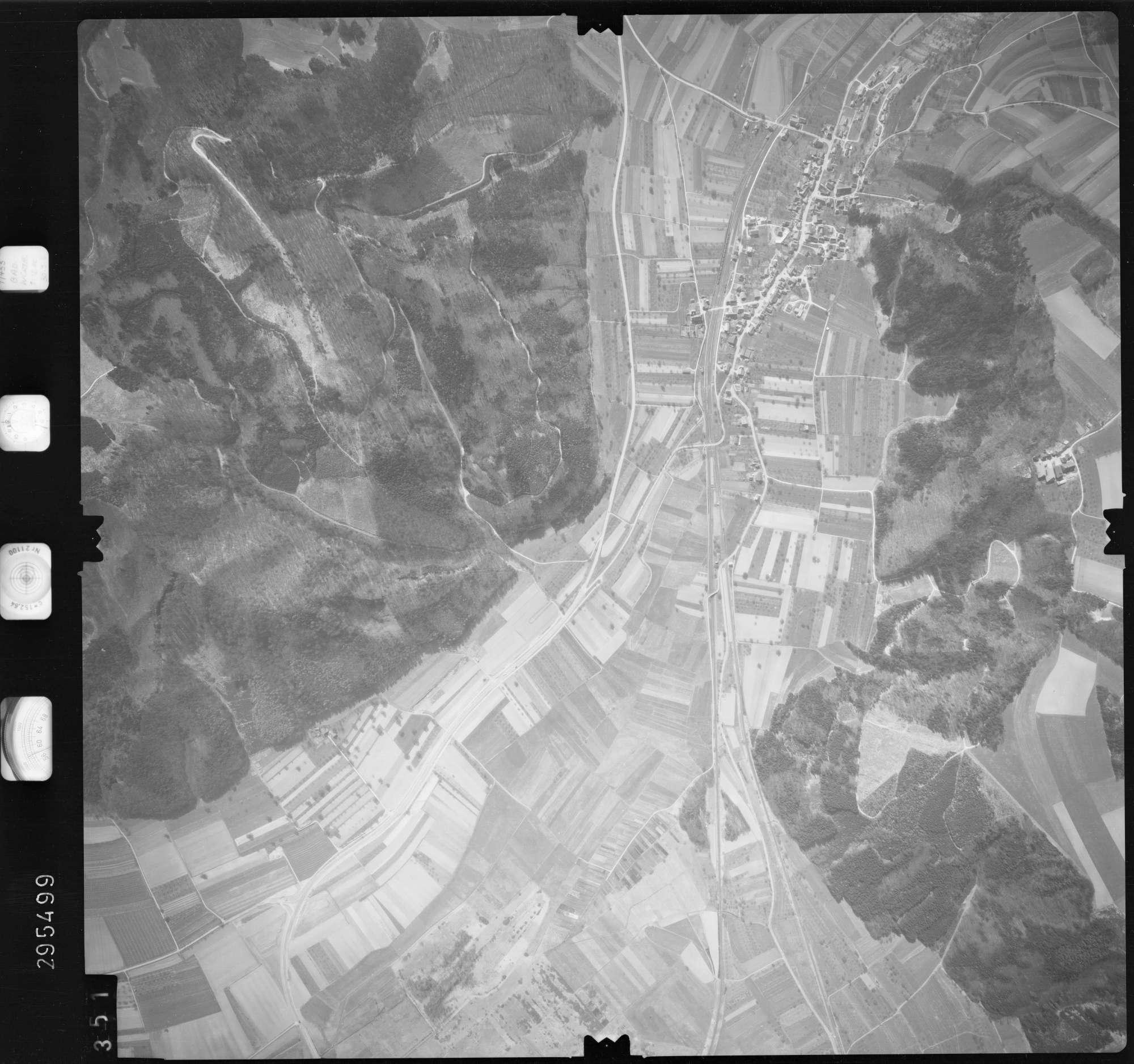 Luftbild: Film 69 Bildnr. 351, Bild 1