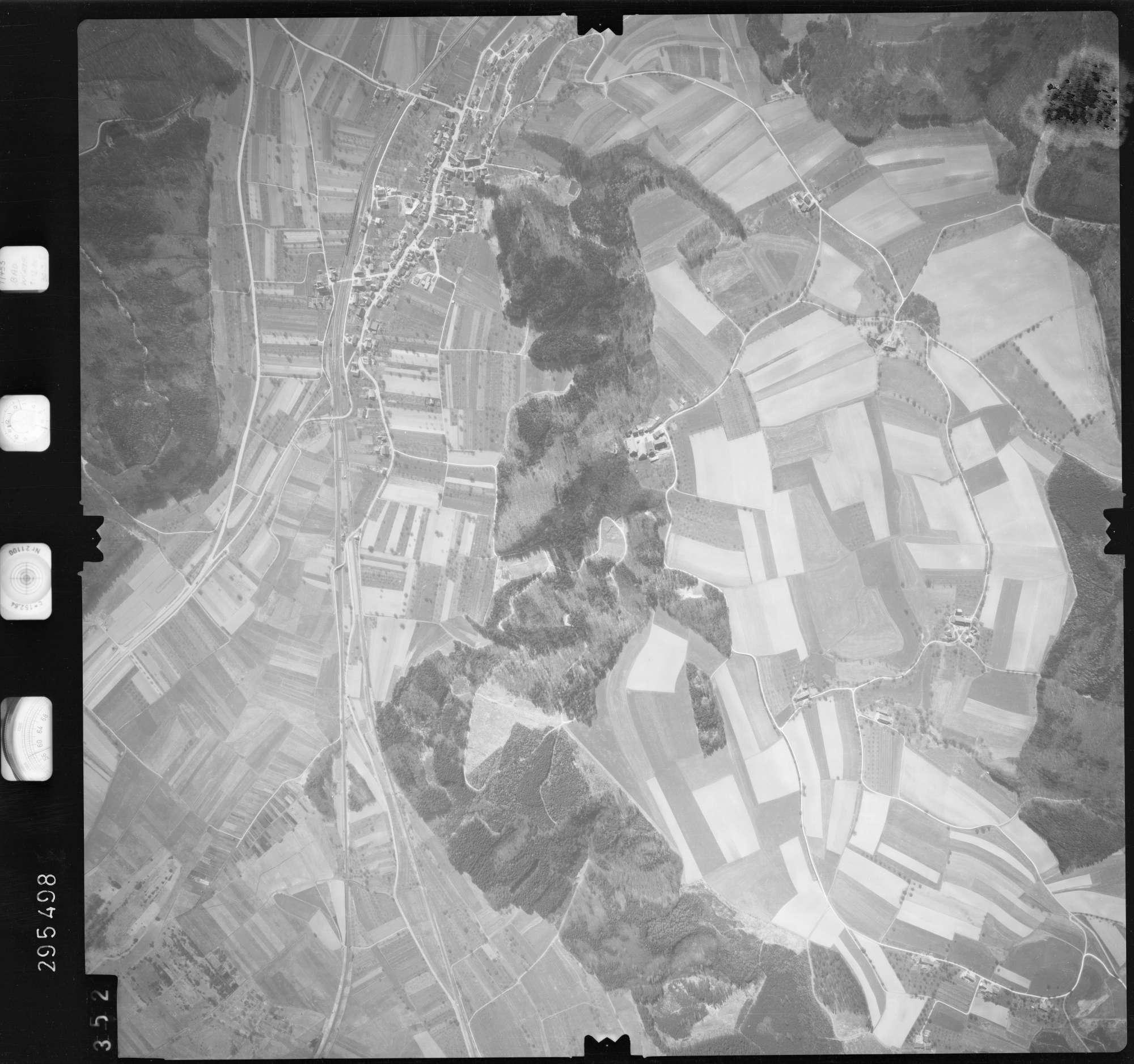 Luftbild: Film 69 Bildnr. 352, Bild 1