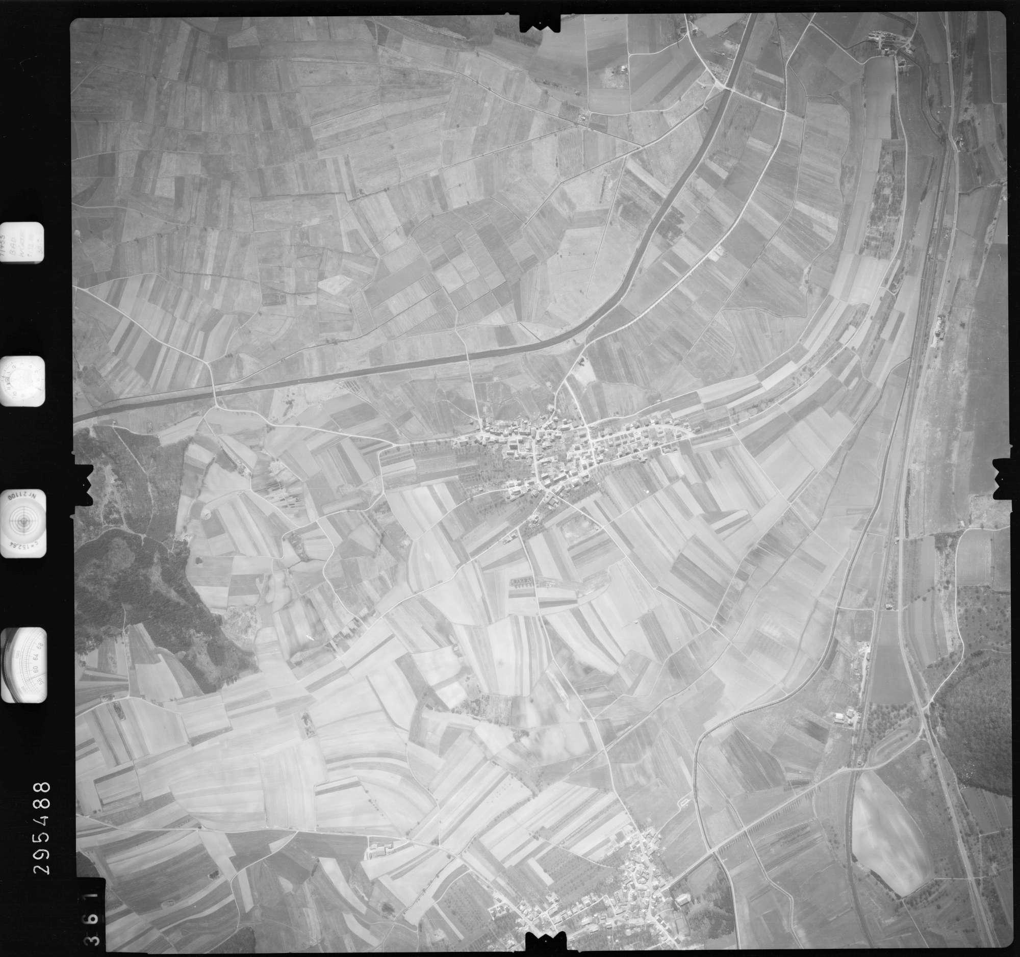 Luftbild: Film 69 Bildnr. 361, Bild 1