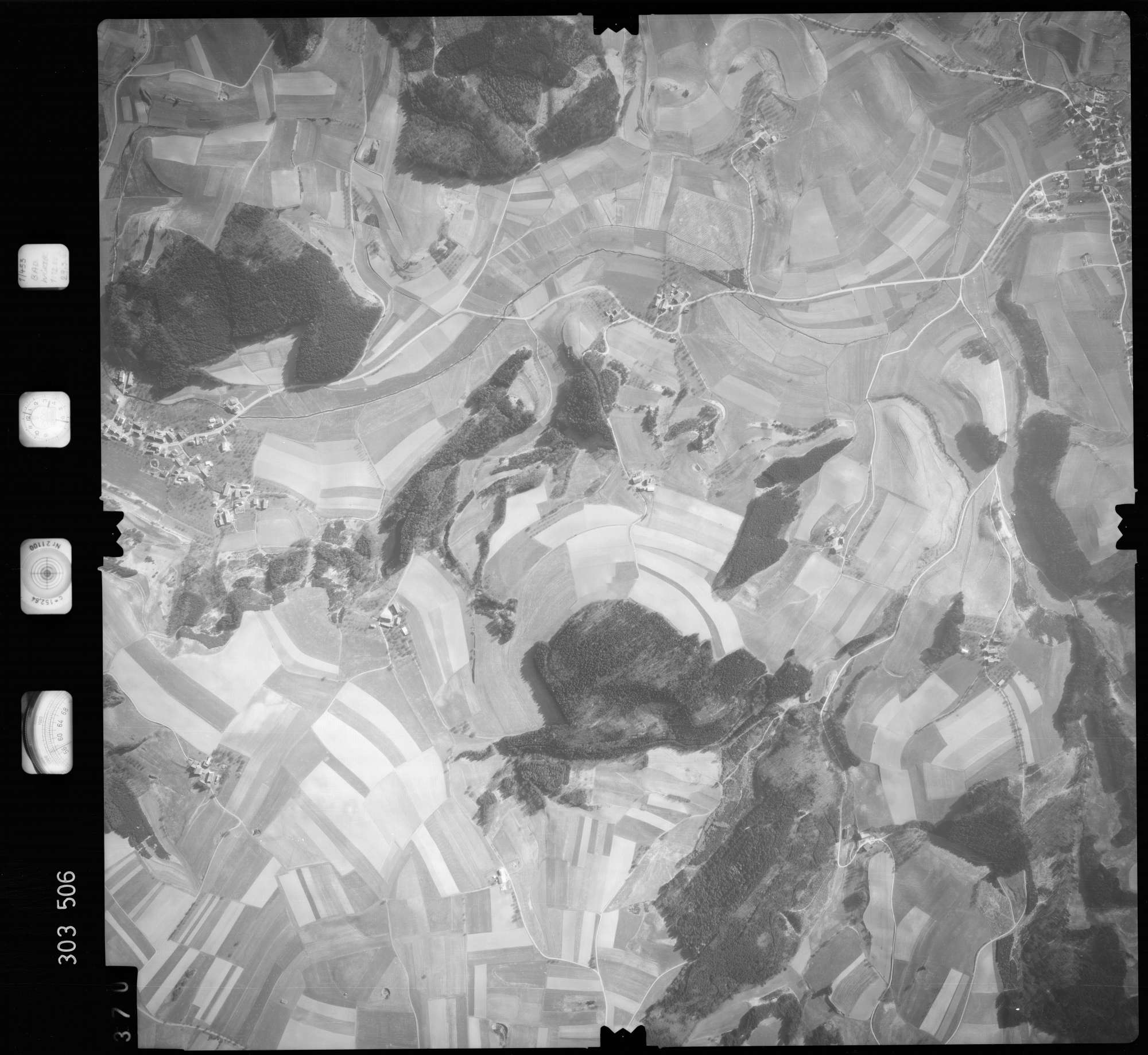 Luftbild: Film 64 Bildnr. 370, Bild 1