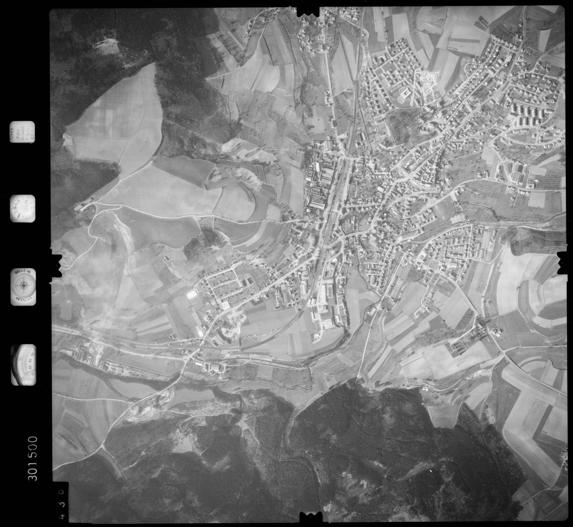 Luftbild: Film 64 Bildnr. 438, Bild 1