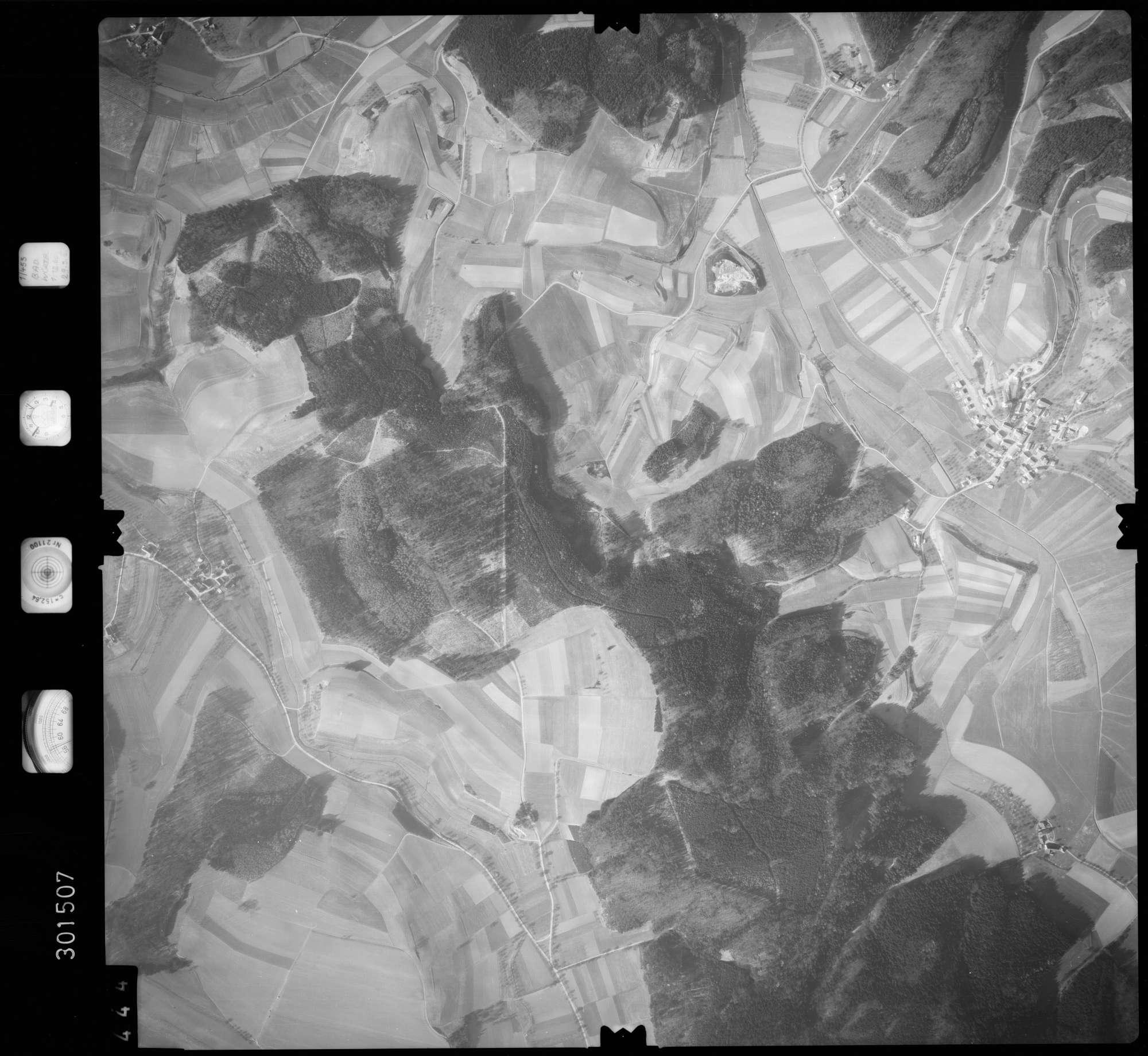 Luftbild: Film 64 Bildnr. 444, Bild 1