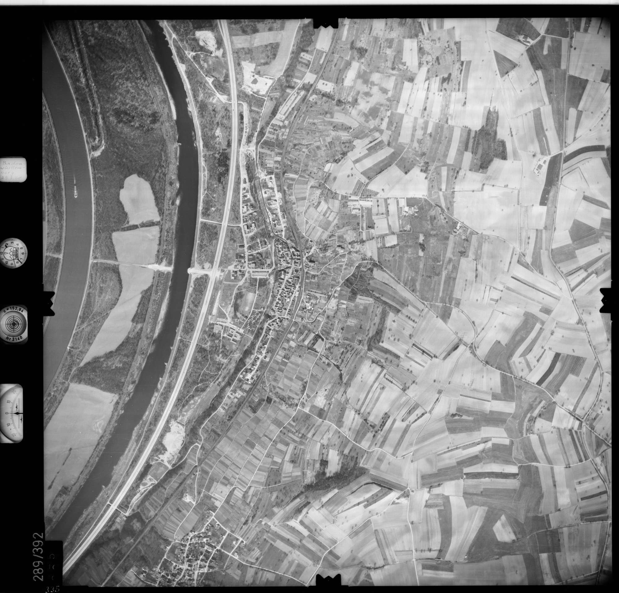 Luftbild: Film 71 Bildnr. 335, Bild 1