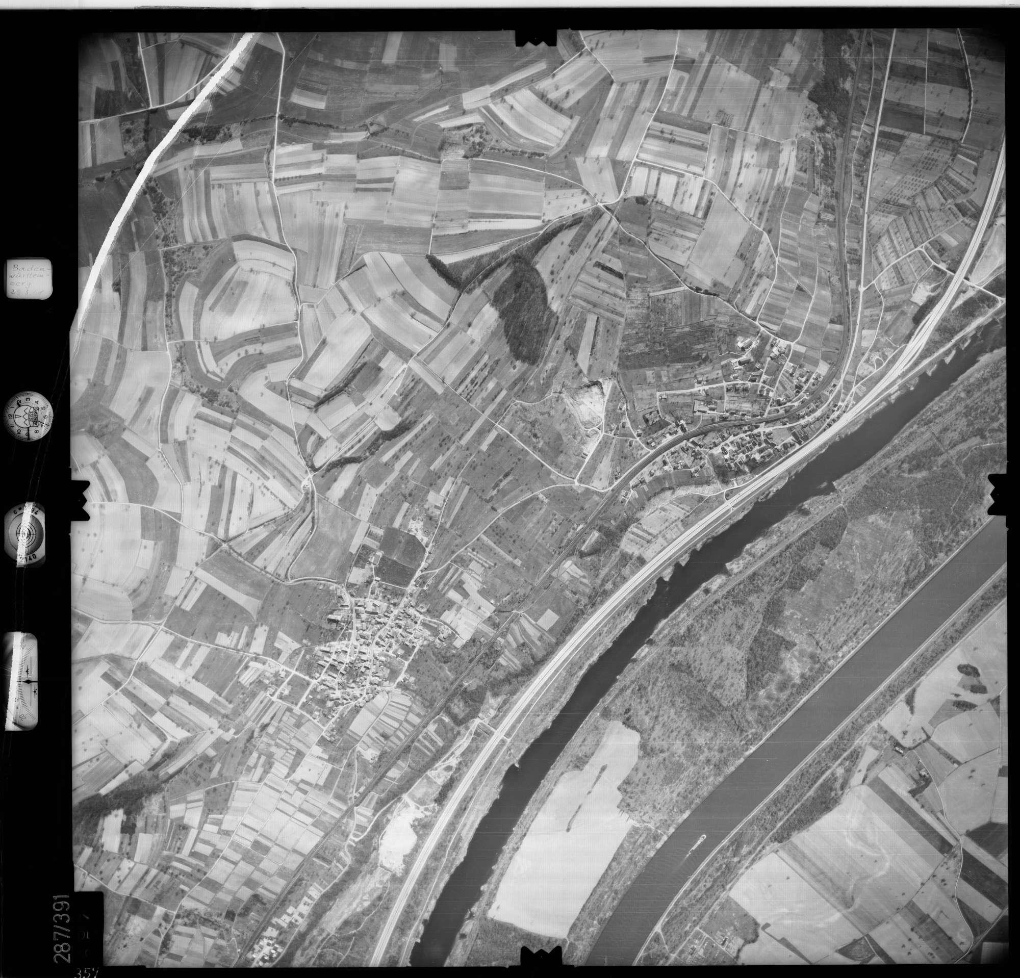 Luftbild: Film 71 Bildnr. 357, Bild 1