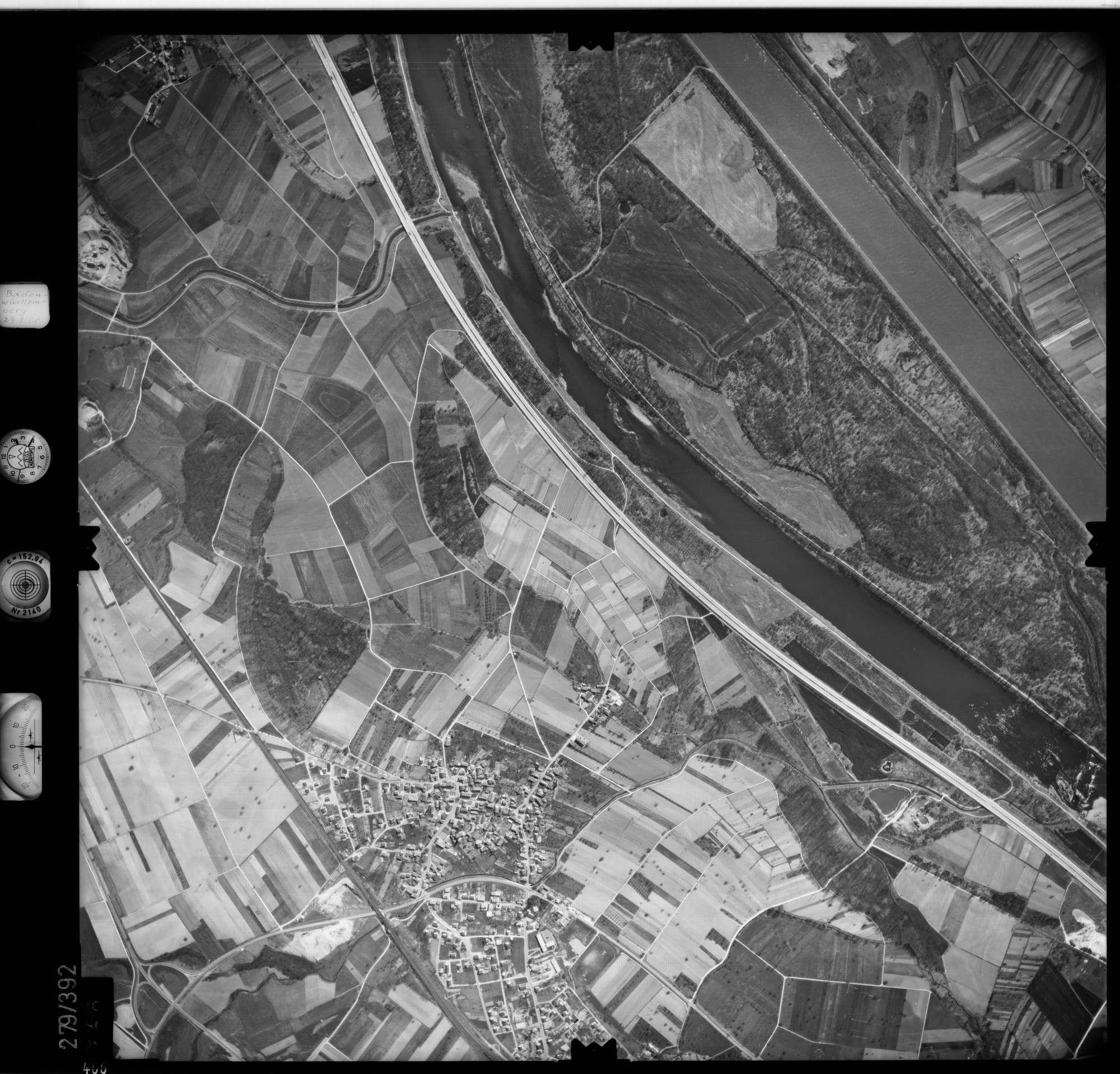 Luftbild: Film 71 Bildnr. 466, Bild 1