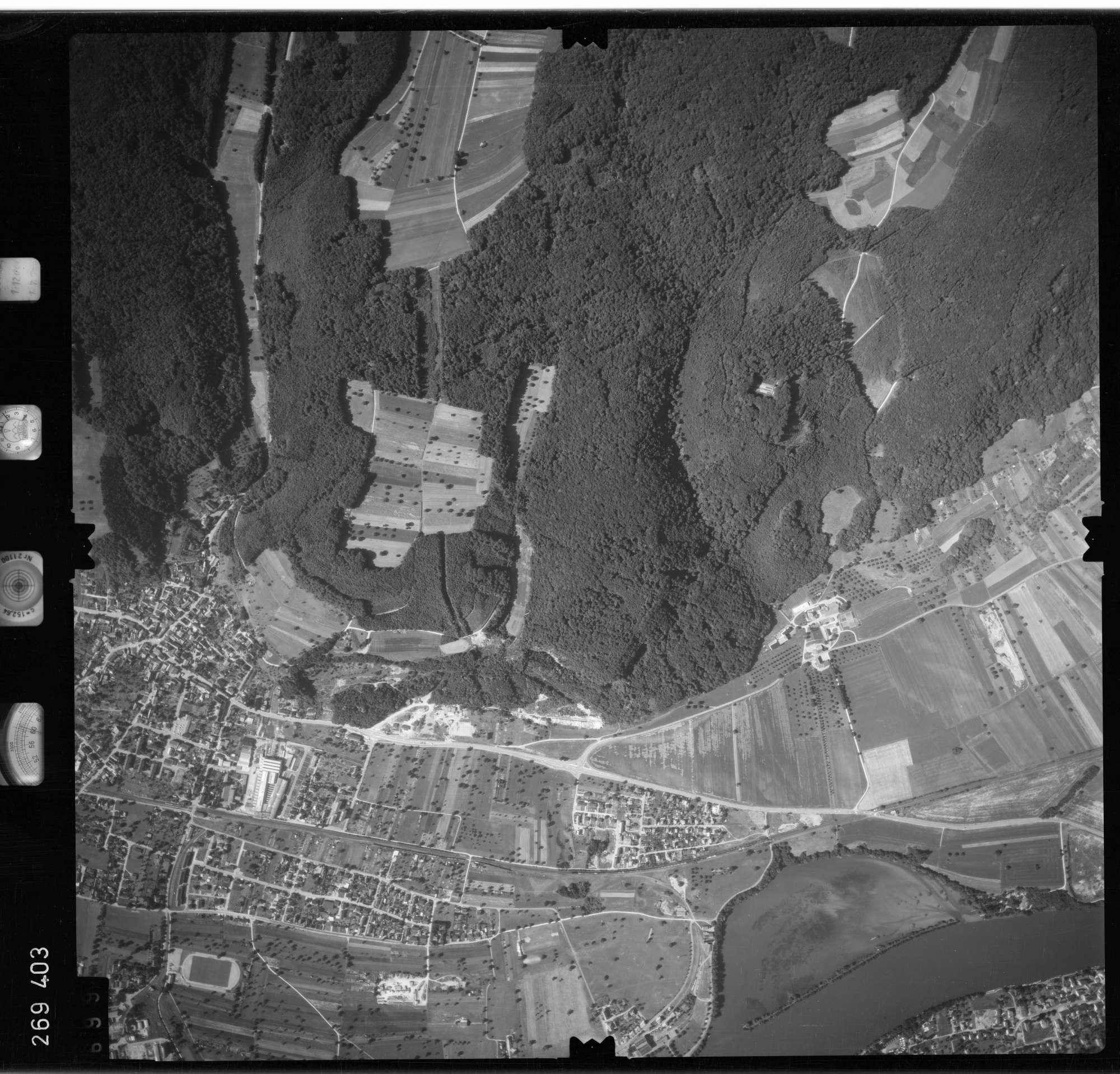Luftbild: Film 77 Bildnr. 699, Bild 1