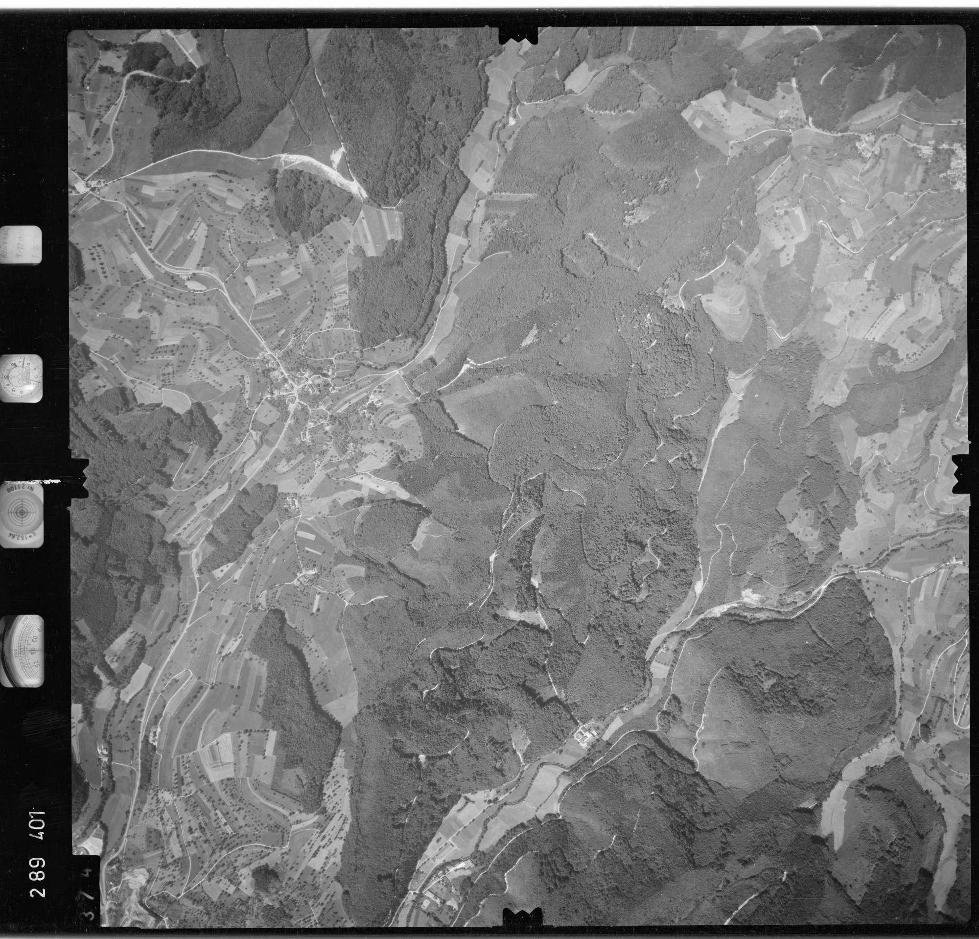 Luftbild: Film 72 Bildnr. 374, Bild 1