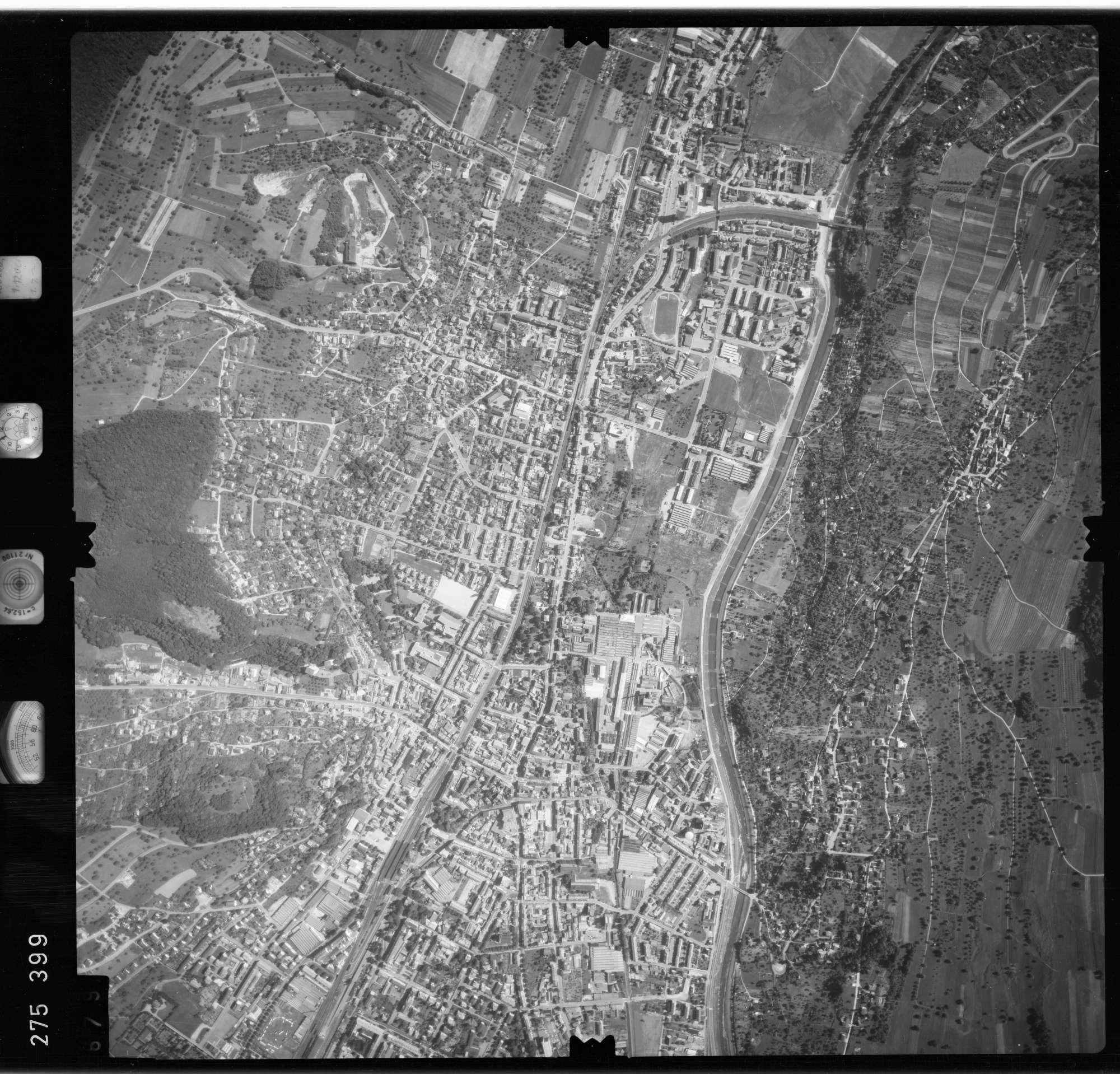 Luftbild: Film 77 Bildnr. 679, Bild 1