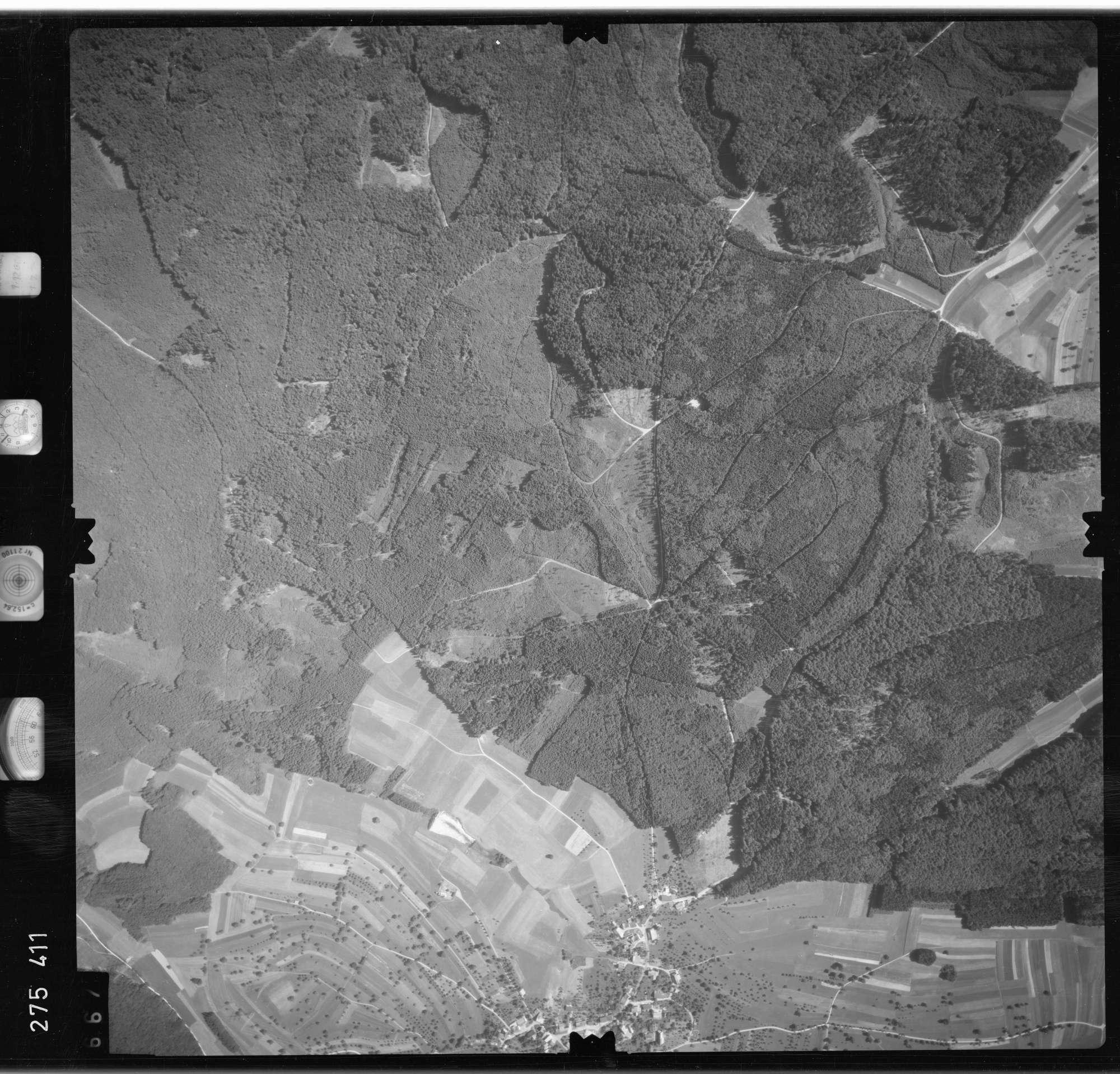 Luftbild: Film 77 Bildnr. 667, Bild 1