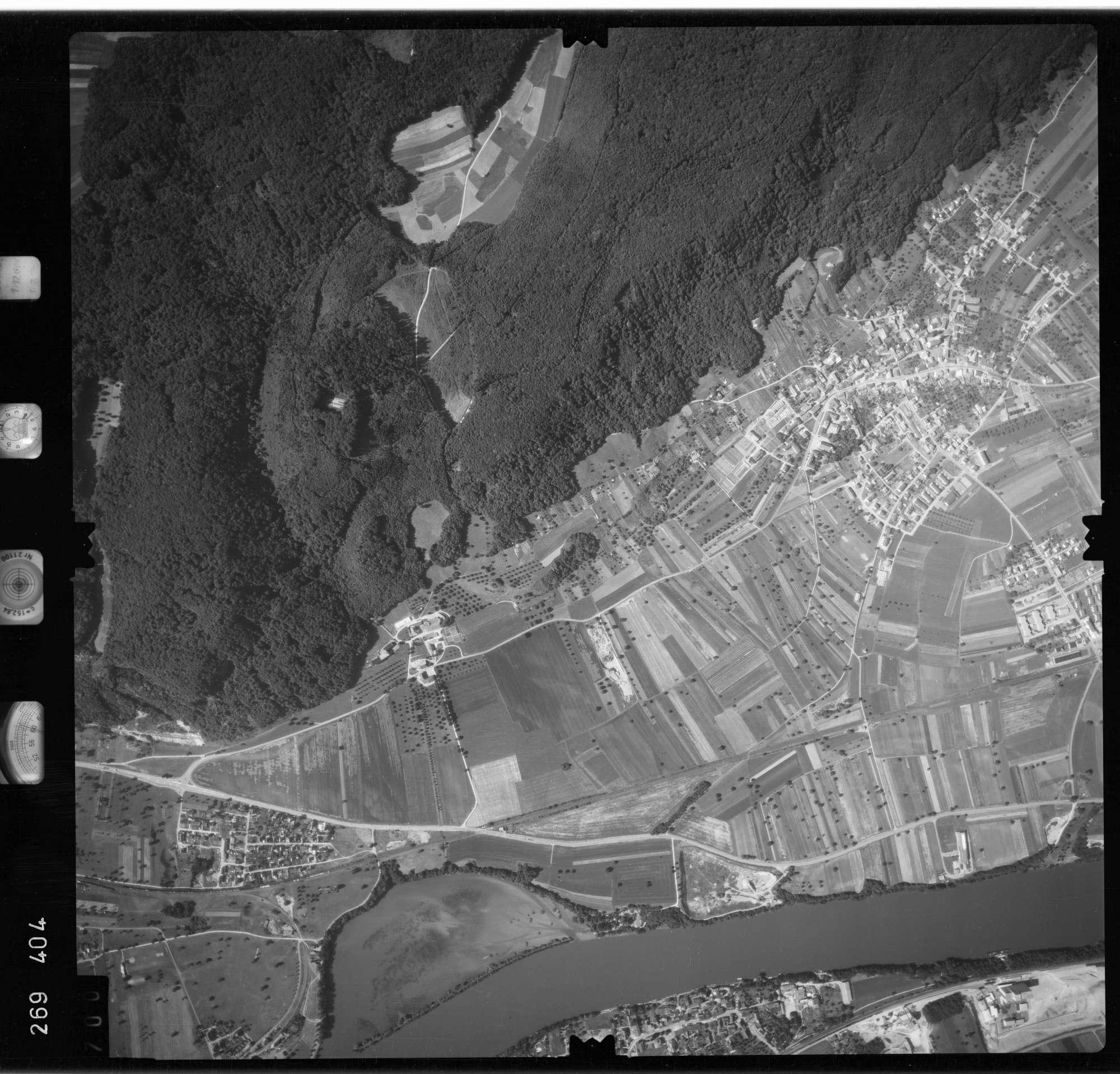 Luftbild: Film 77 Bildnr. 700, Bild 1