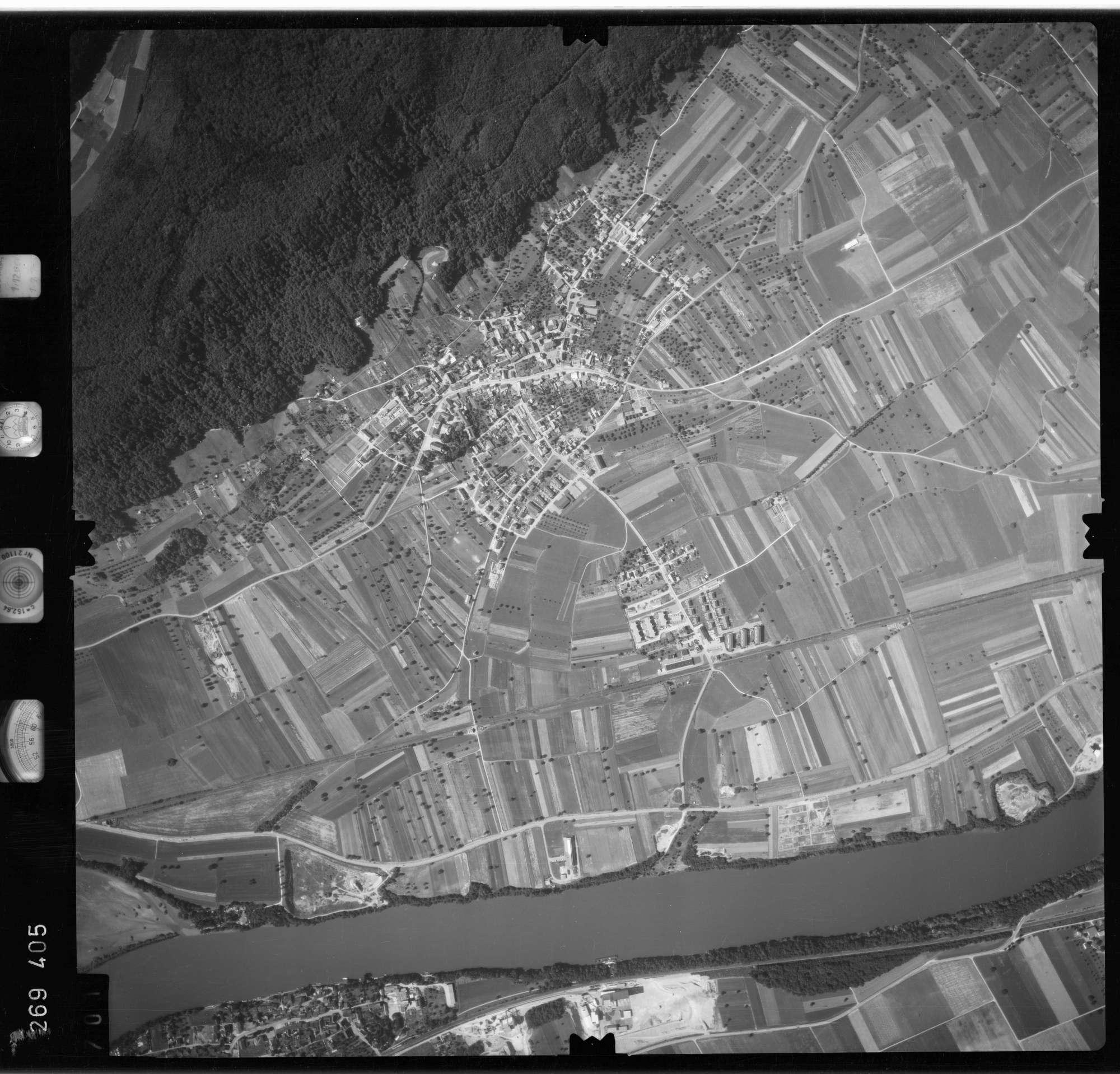 Luftbild: Film 77 Bildnr. 701, Bild 1