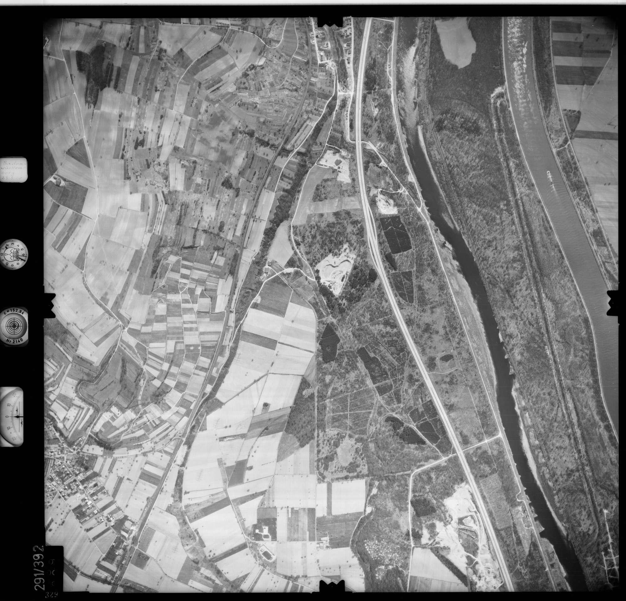 Luftbild: Film 71 Bildnr. 329, Bild 1